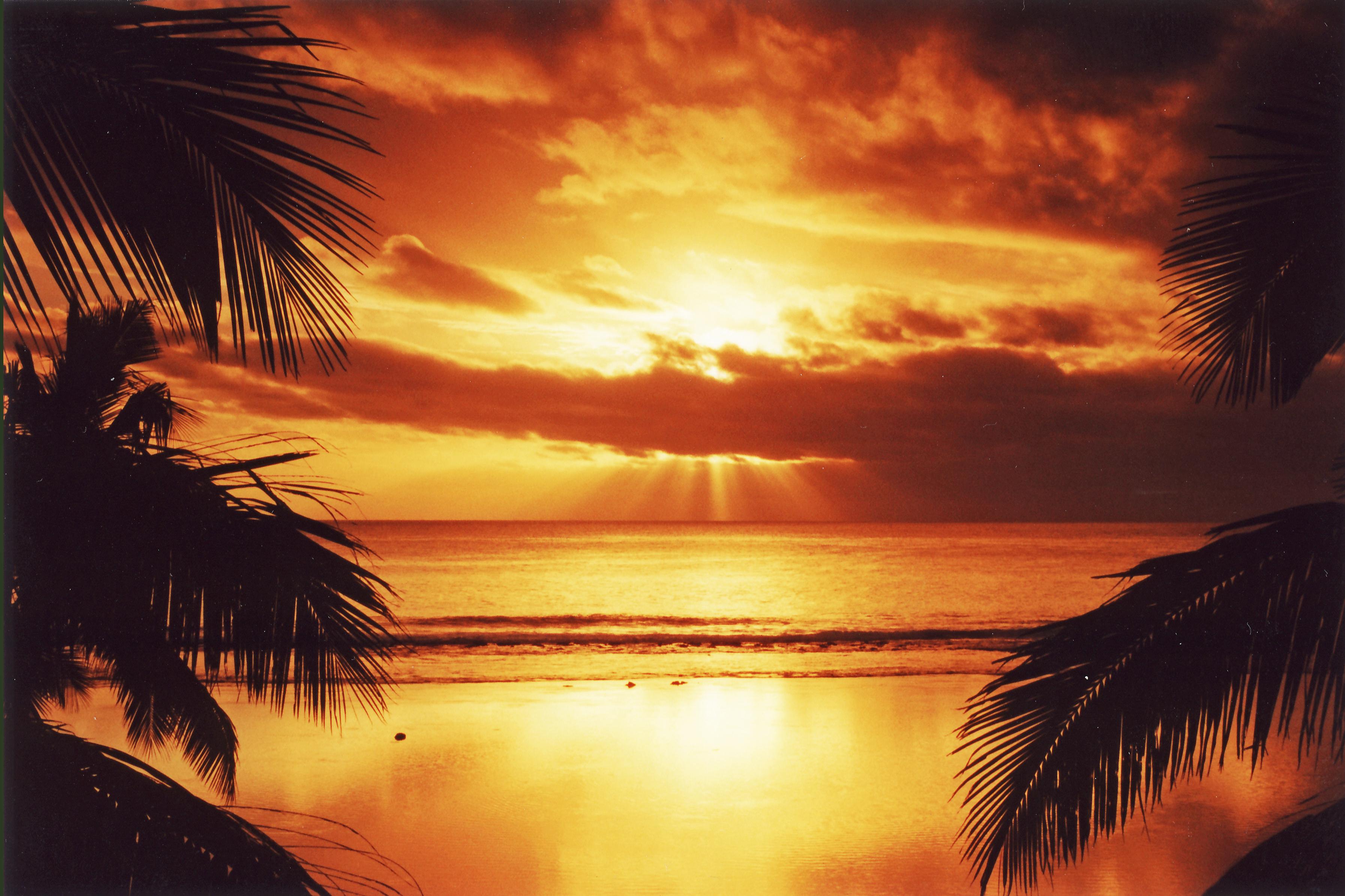 Sunset, Edgewater, Rarotonga, Cook Islands | Mapio.net