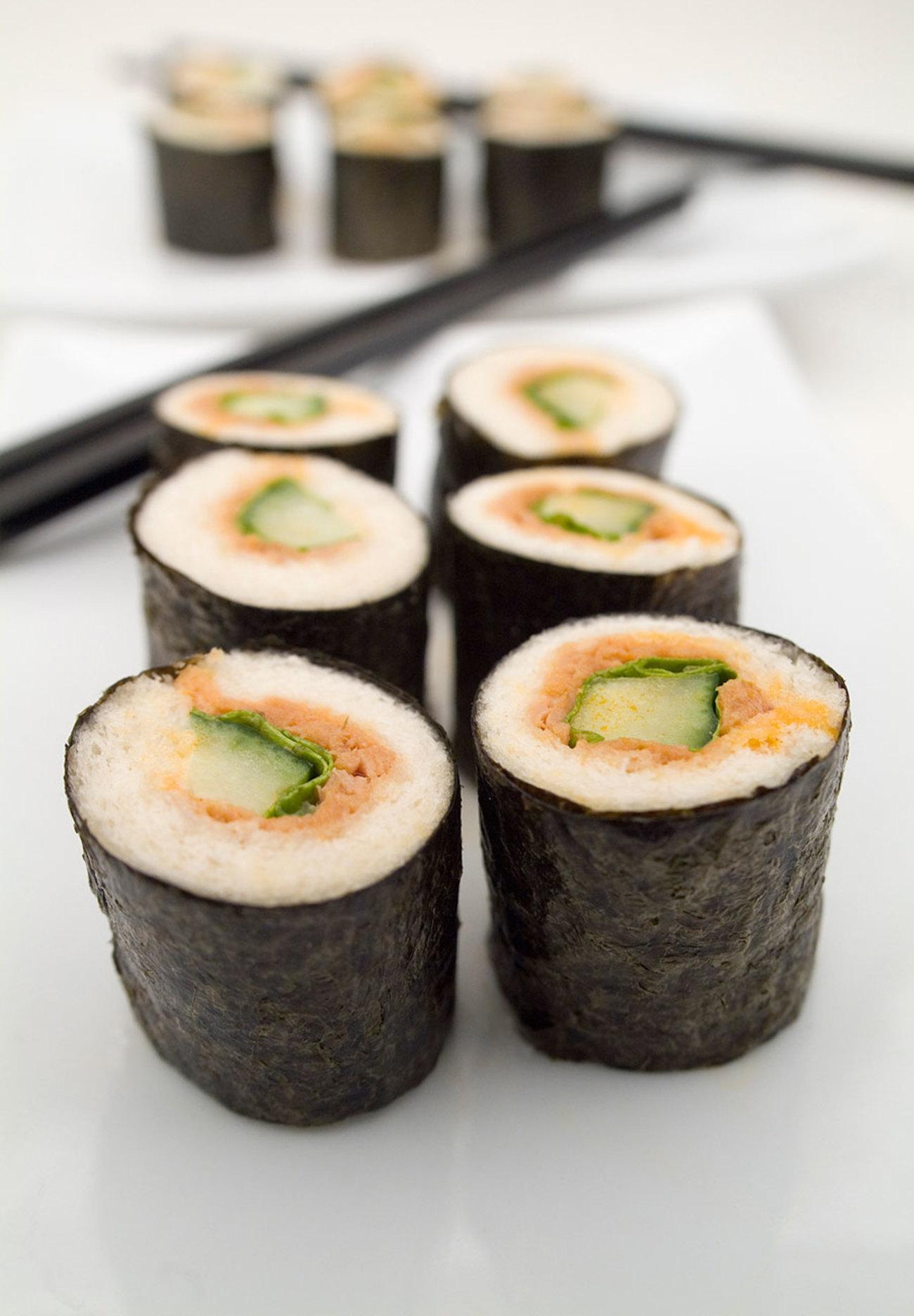 Tuna Sushi with Bumble Bee Sensations¨ Spicy Thai Chili Seasoned ...