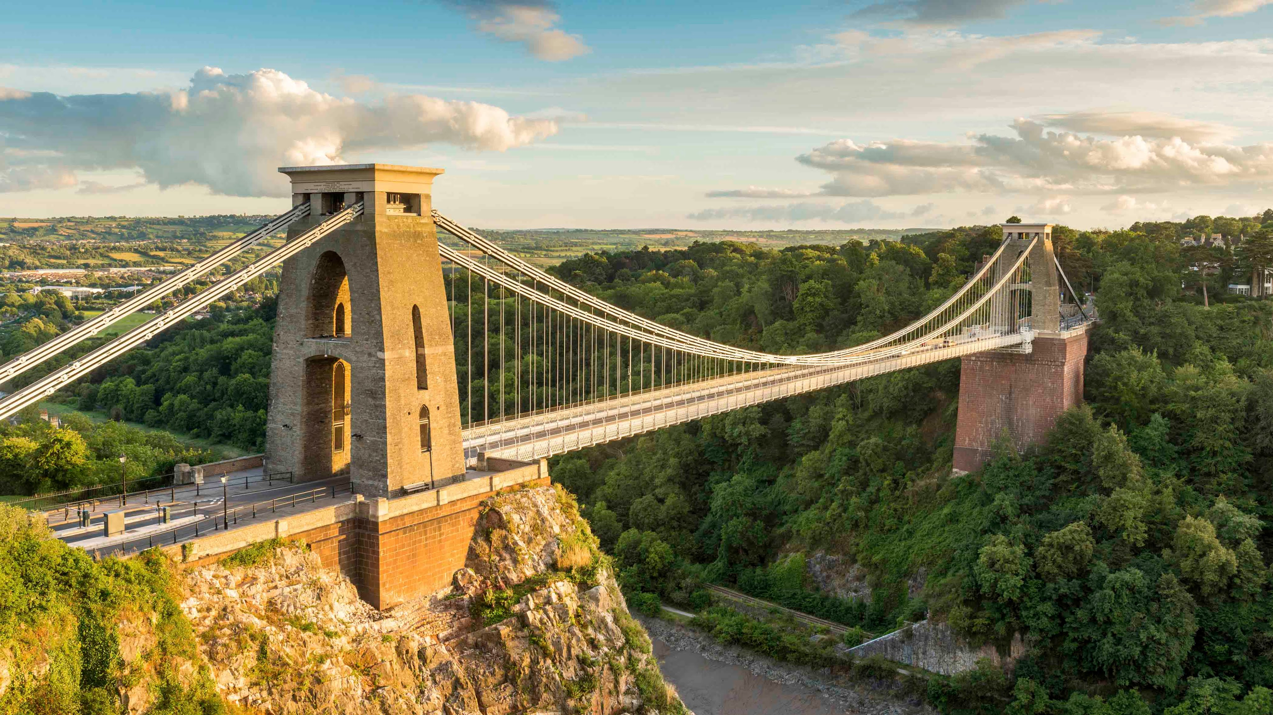 Admire the view from the Clifton suspension bridge in this 360 ...