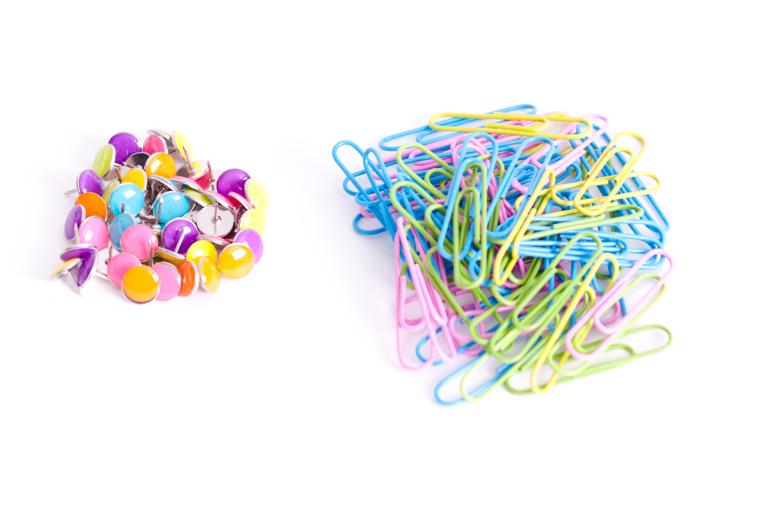 Tacks and paper clips photo