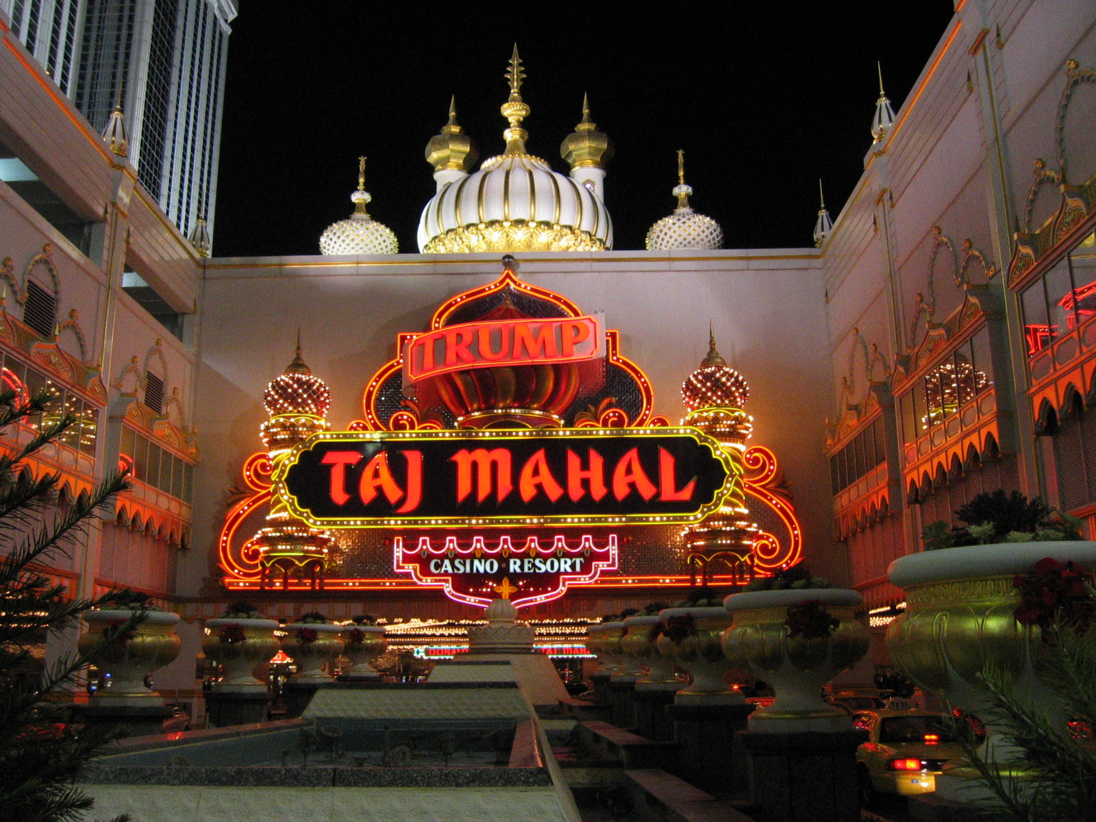 Hard Rock International Agrees to Purchase the Taj Mahal For $300 ...