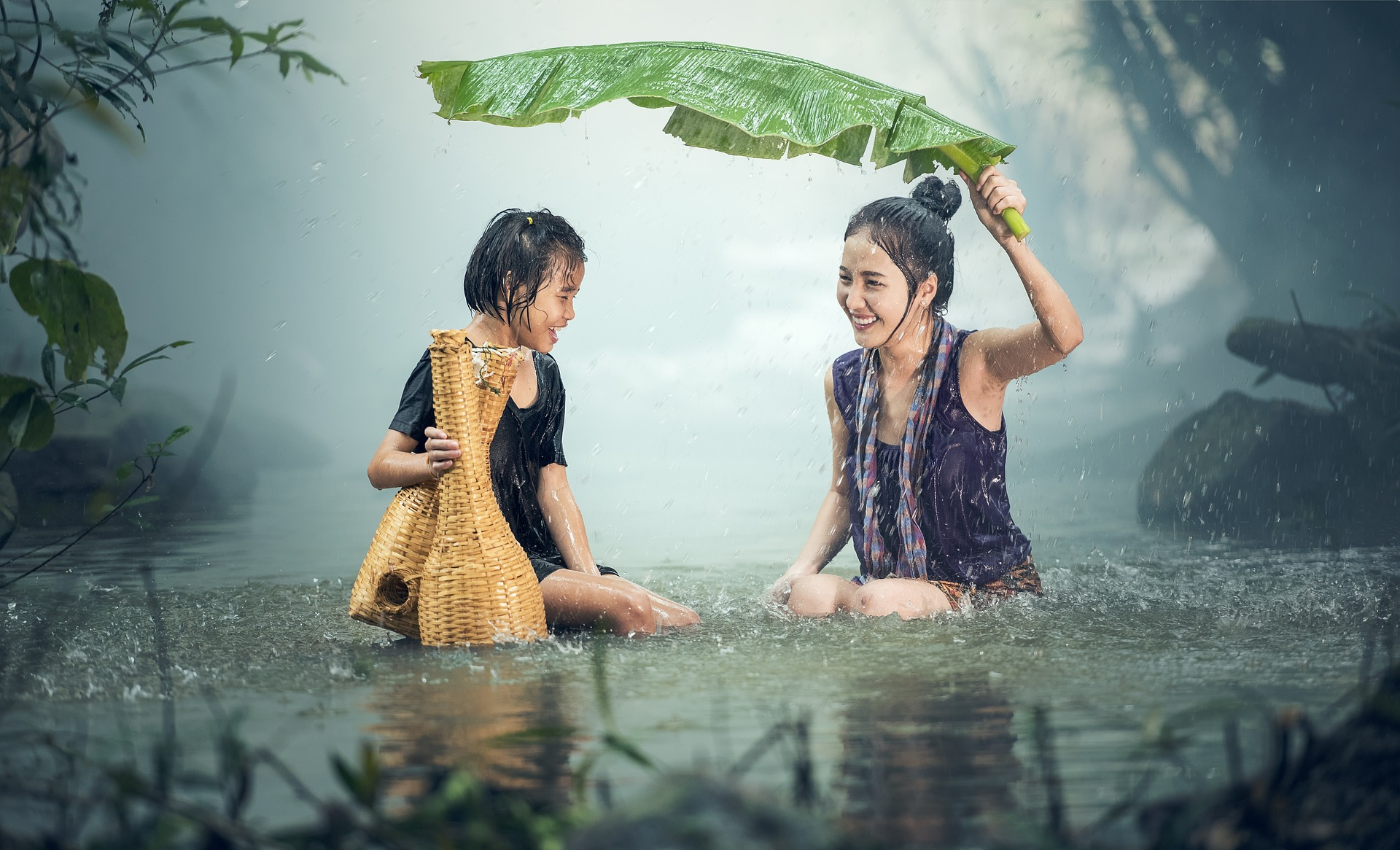 Taking Bath in Running Water, Activity, Bath, Flow, Girl, HQ Photo