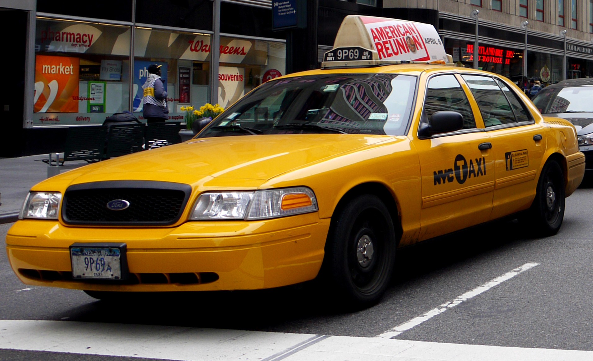 File:NYC Taxi Ford Crown Victoria.jpg - Wikimedia Commons