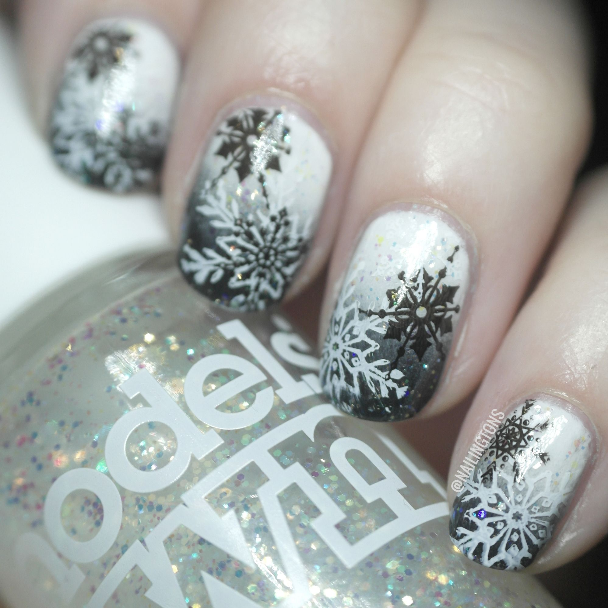 gradient black and white nails with snowflake art - Google Search ...
