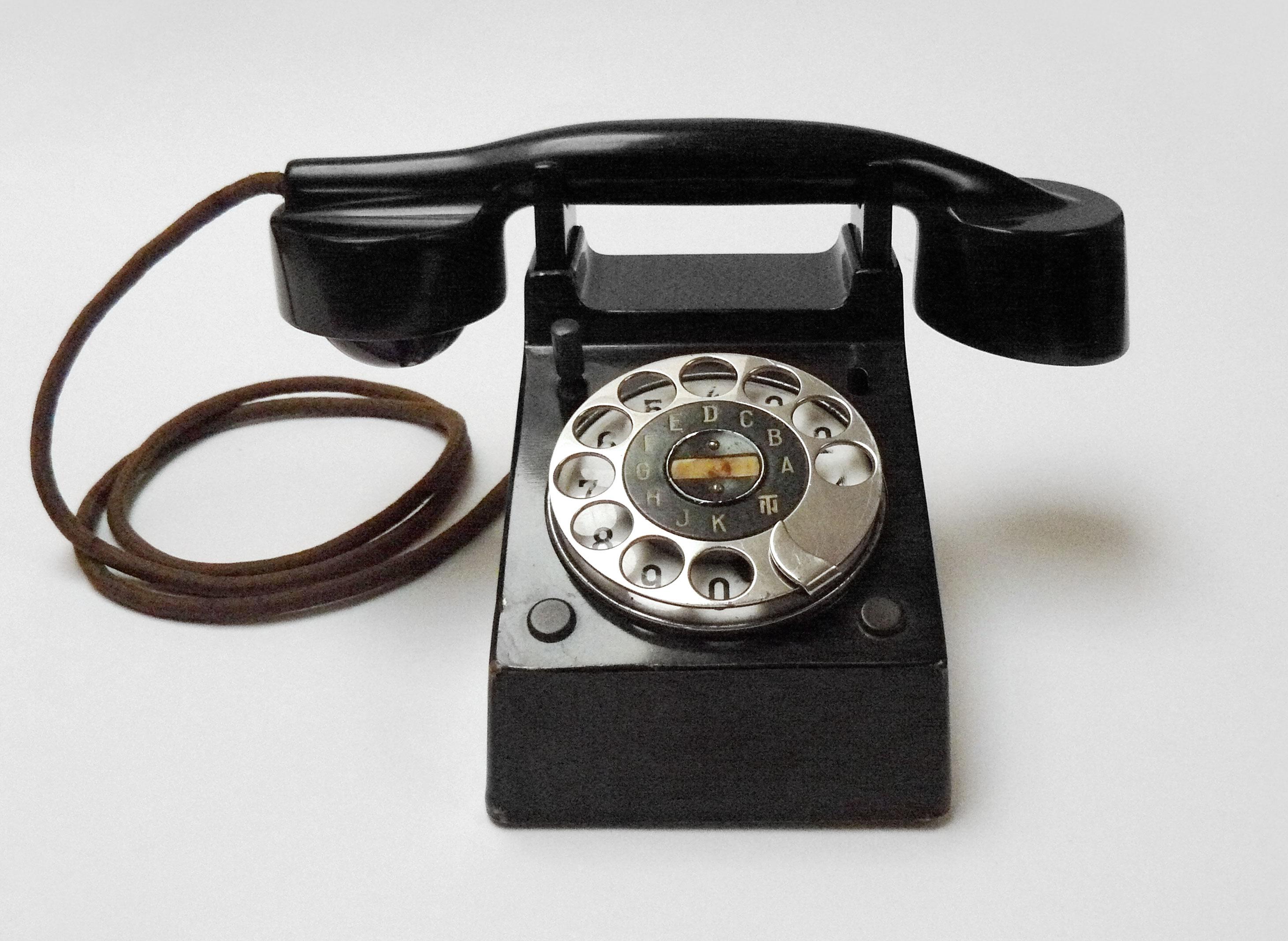 "Bauhaus""- telephone, Fuld & Co, Frankfurt, Germany, 1928. – DESIGN20.eu"