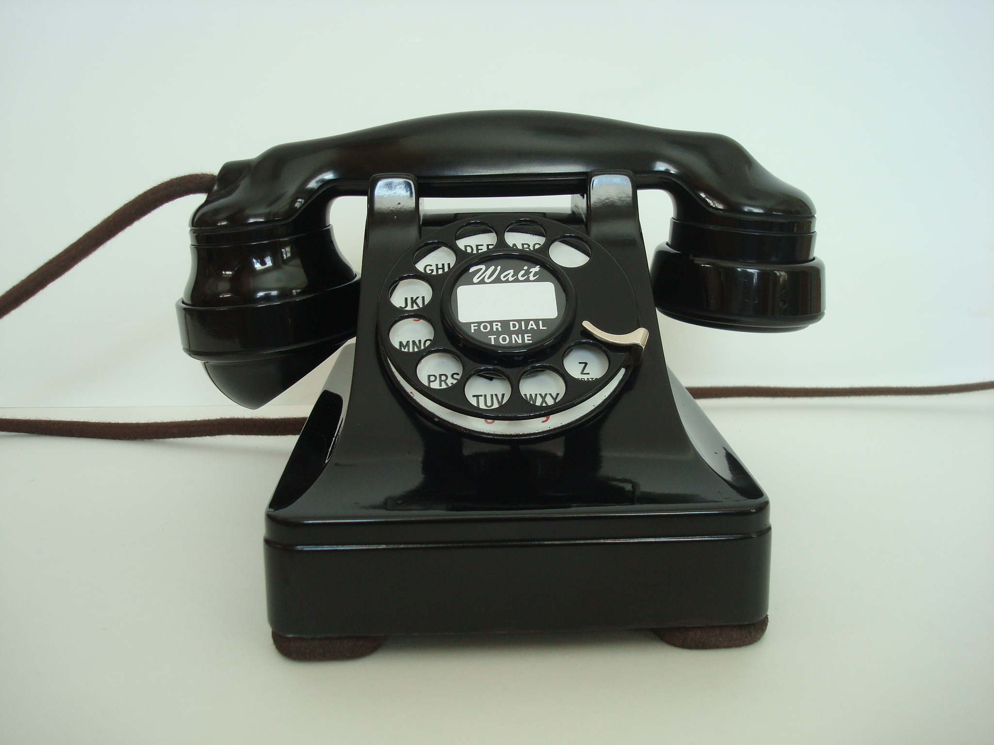 Antique telephone restoration and repair expertly done in short ...