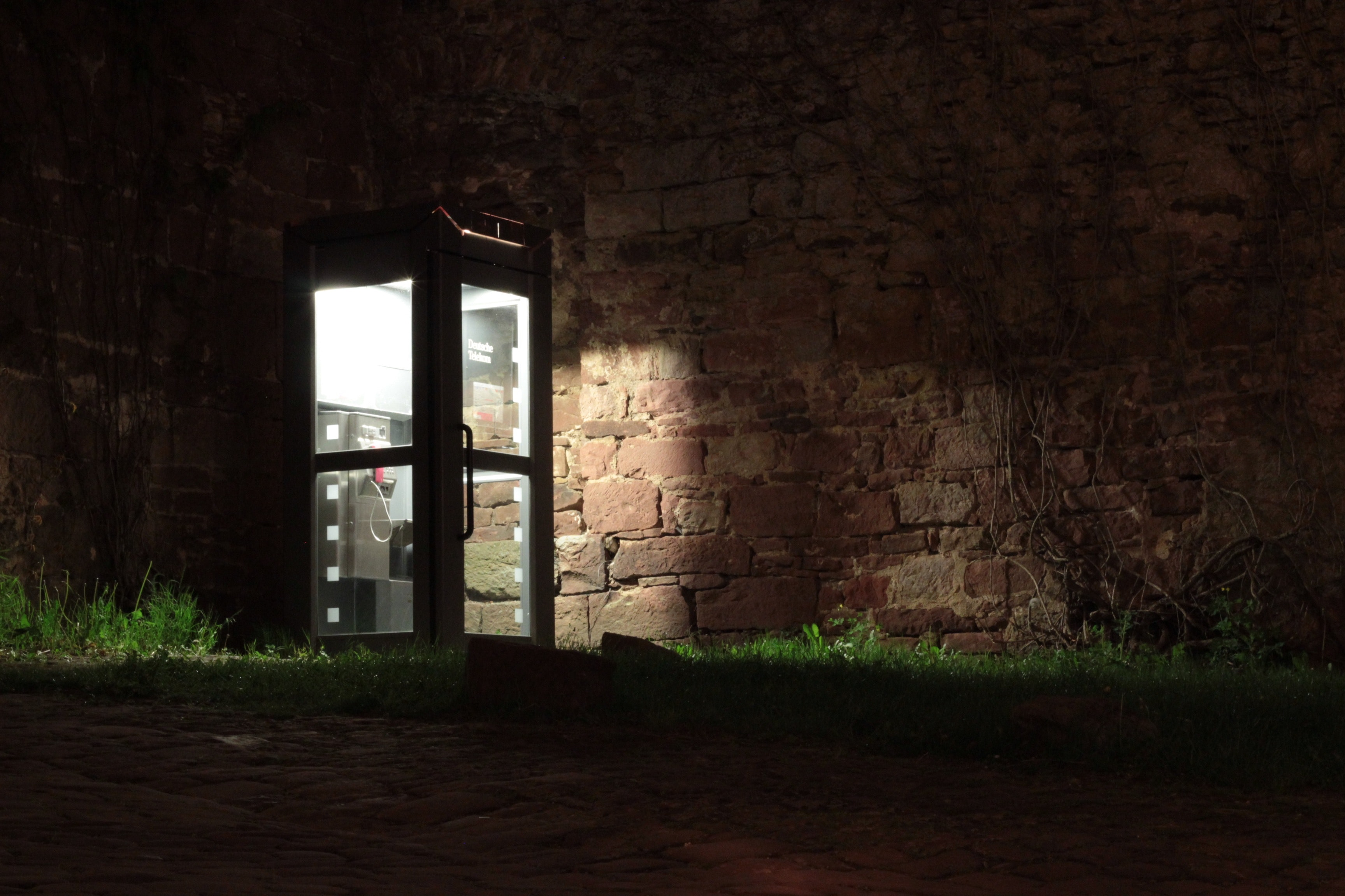 Telephone Booth Beside Brown Wall during Nighttime, Architecture, Building, Dark, Eerie, HQ Photo