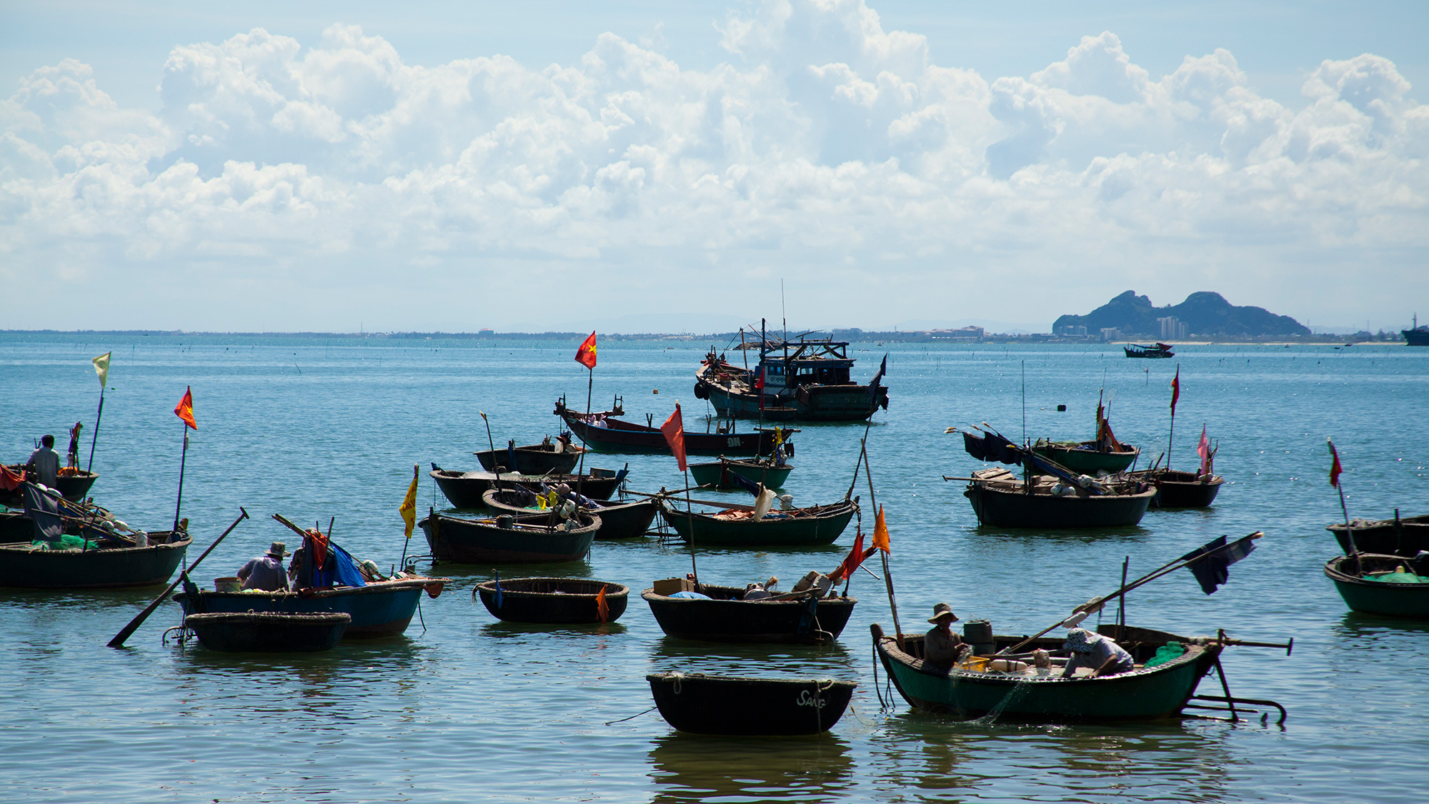 4-man-thai-fishing-village-da-nang.jpg