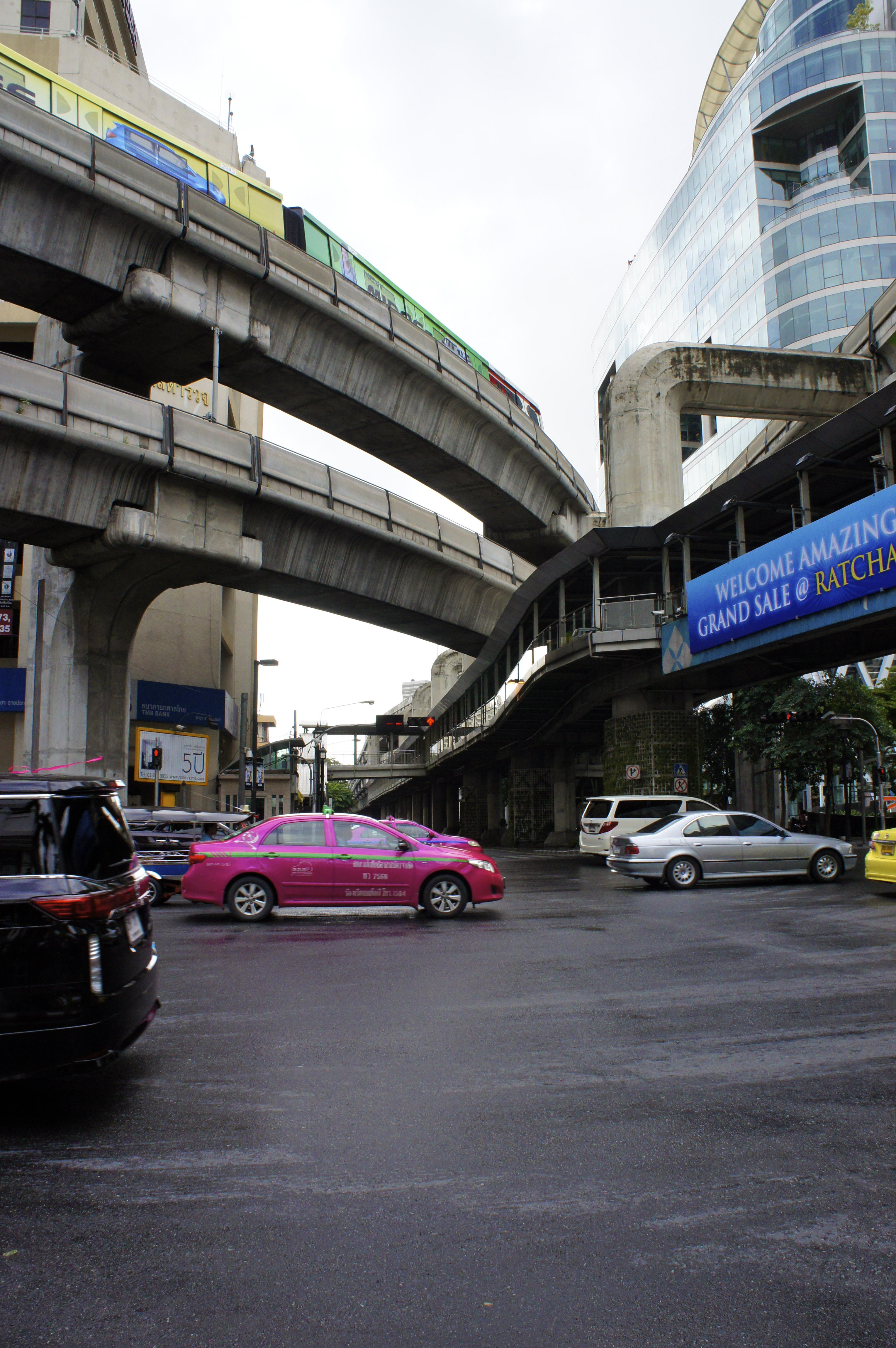 The beauty of a corner, Beauty, Bridge, Cars, Street, HQ Photo