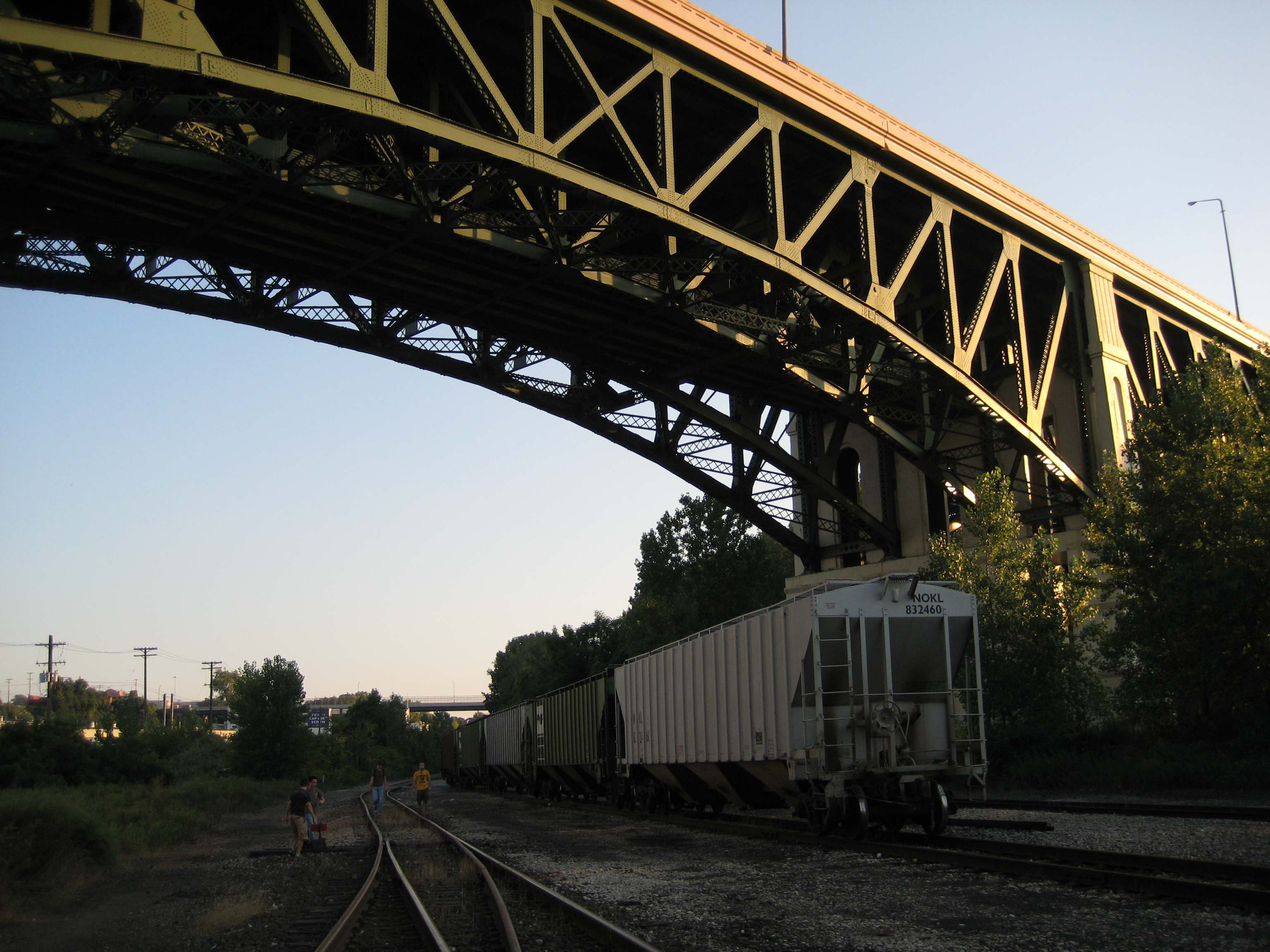 File:Rail under the bridge.jpg - Wikimedia Commons