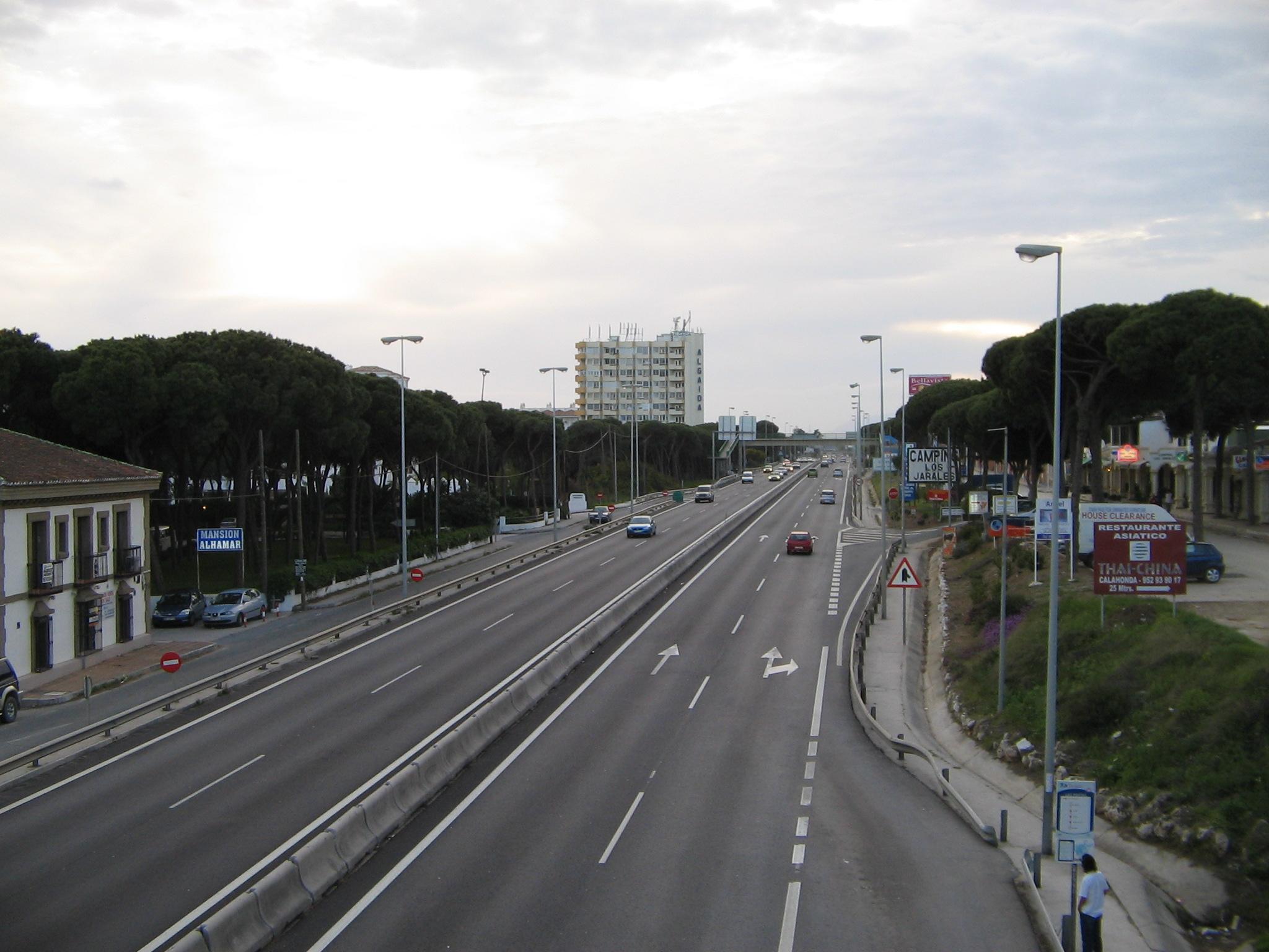 File:The highway in Calahonda, Spain 2005.jpg - Wikimedia Commons