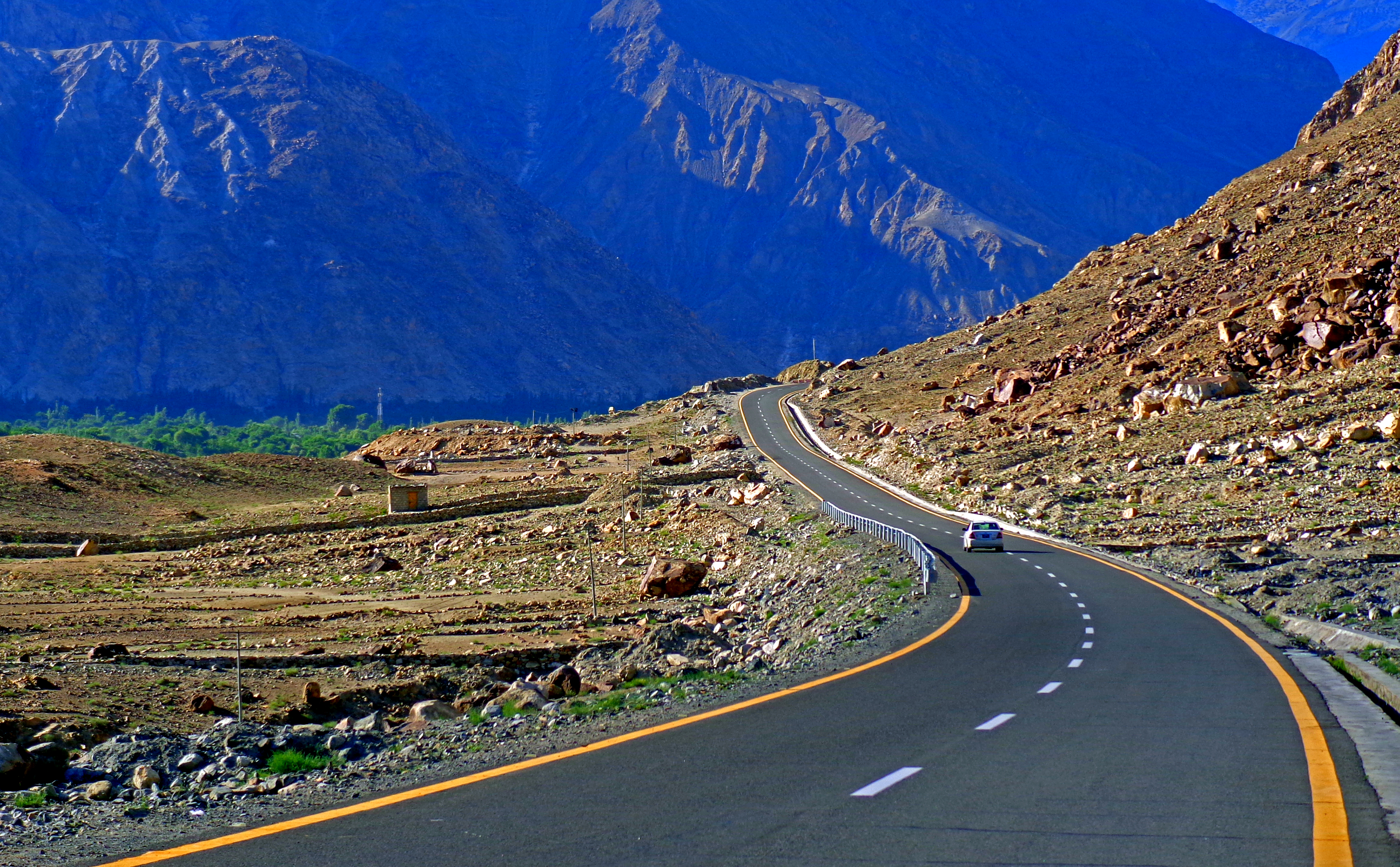 File:The KKH, The wonder of the world, the highway of adventures ...