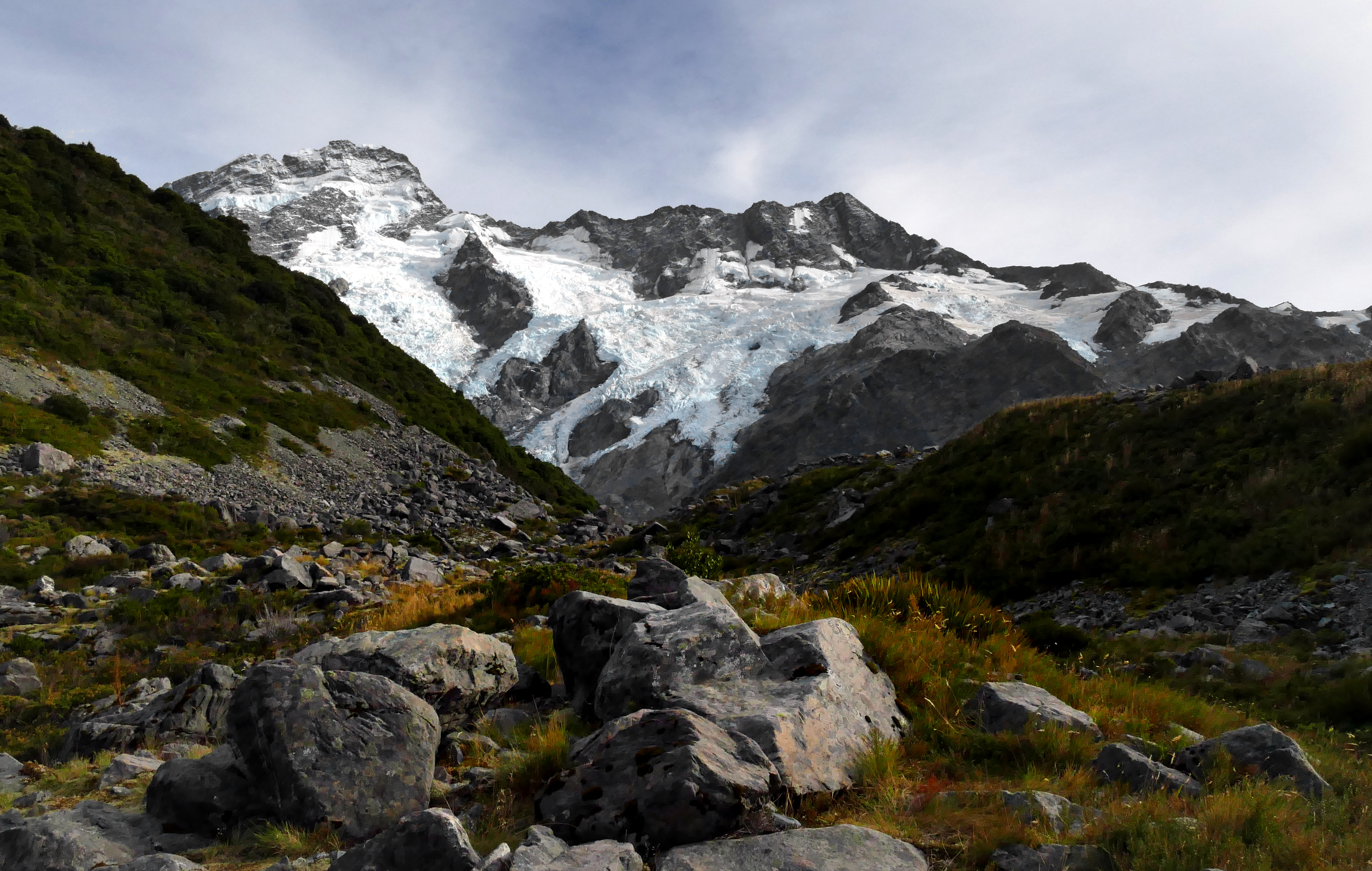 The moorhouse range. mt cook np. nz photo