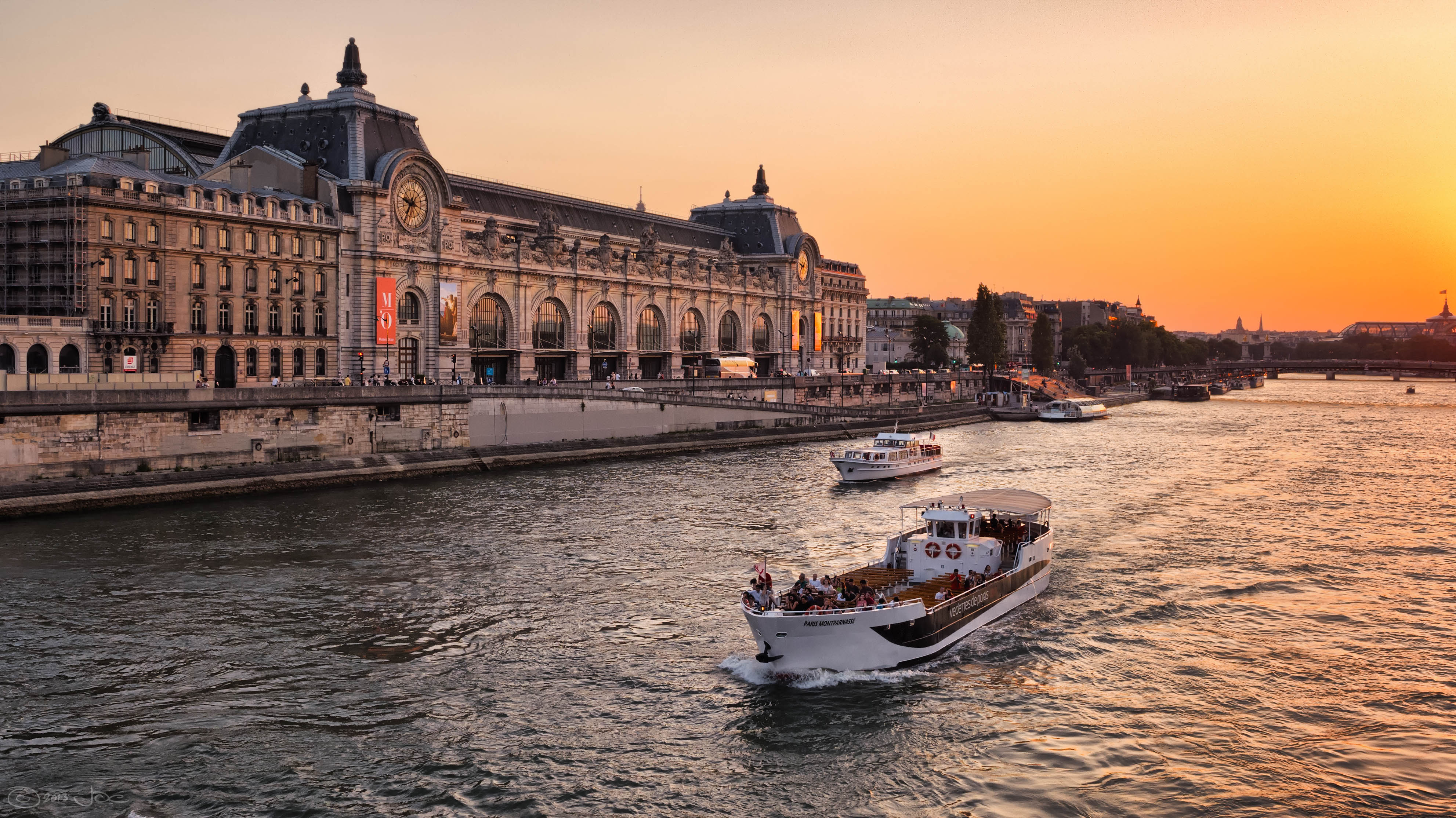 The musée d'orsay at sunset photo