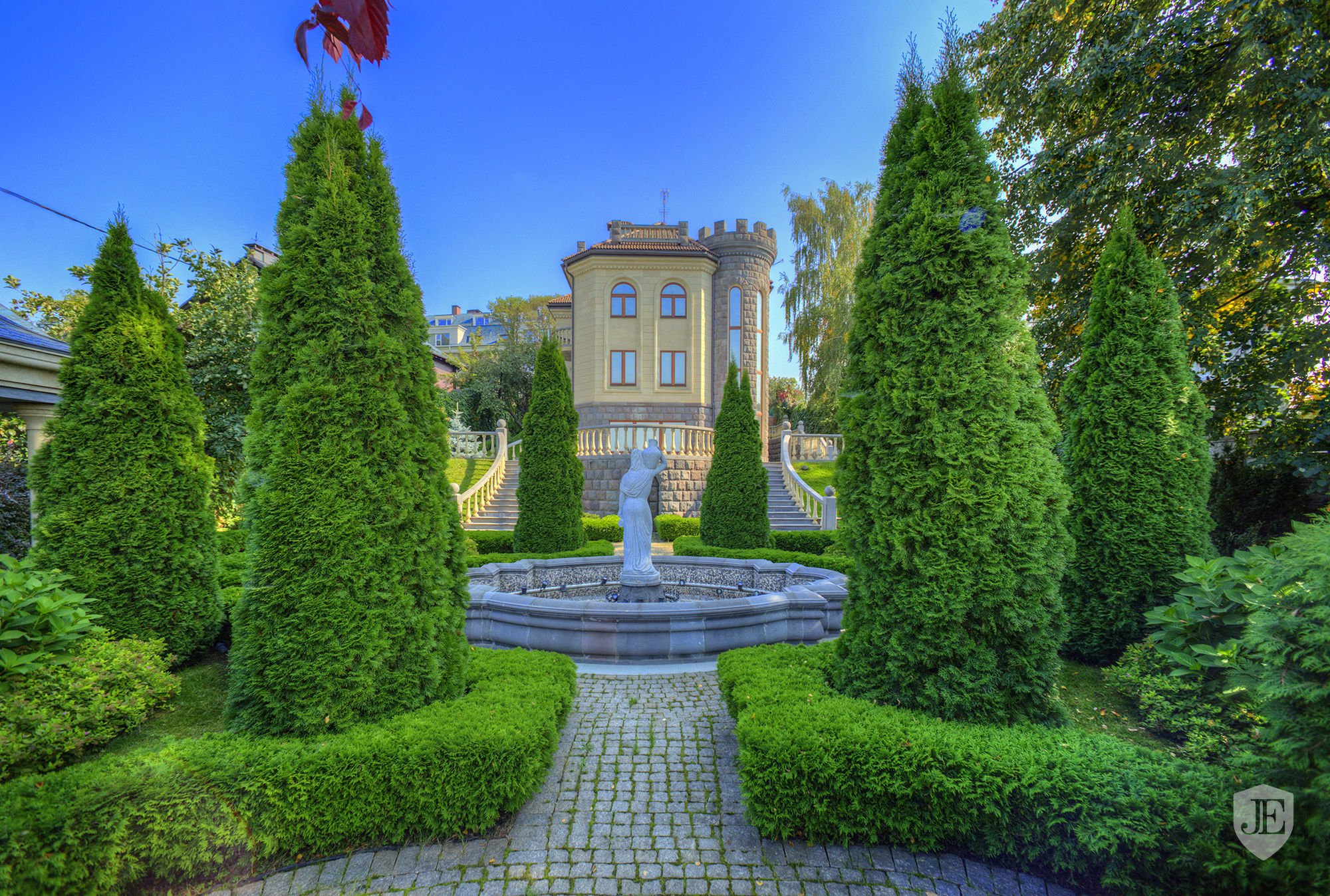 Mansion with the views of the picturesque bay in Moscow Russian ...