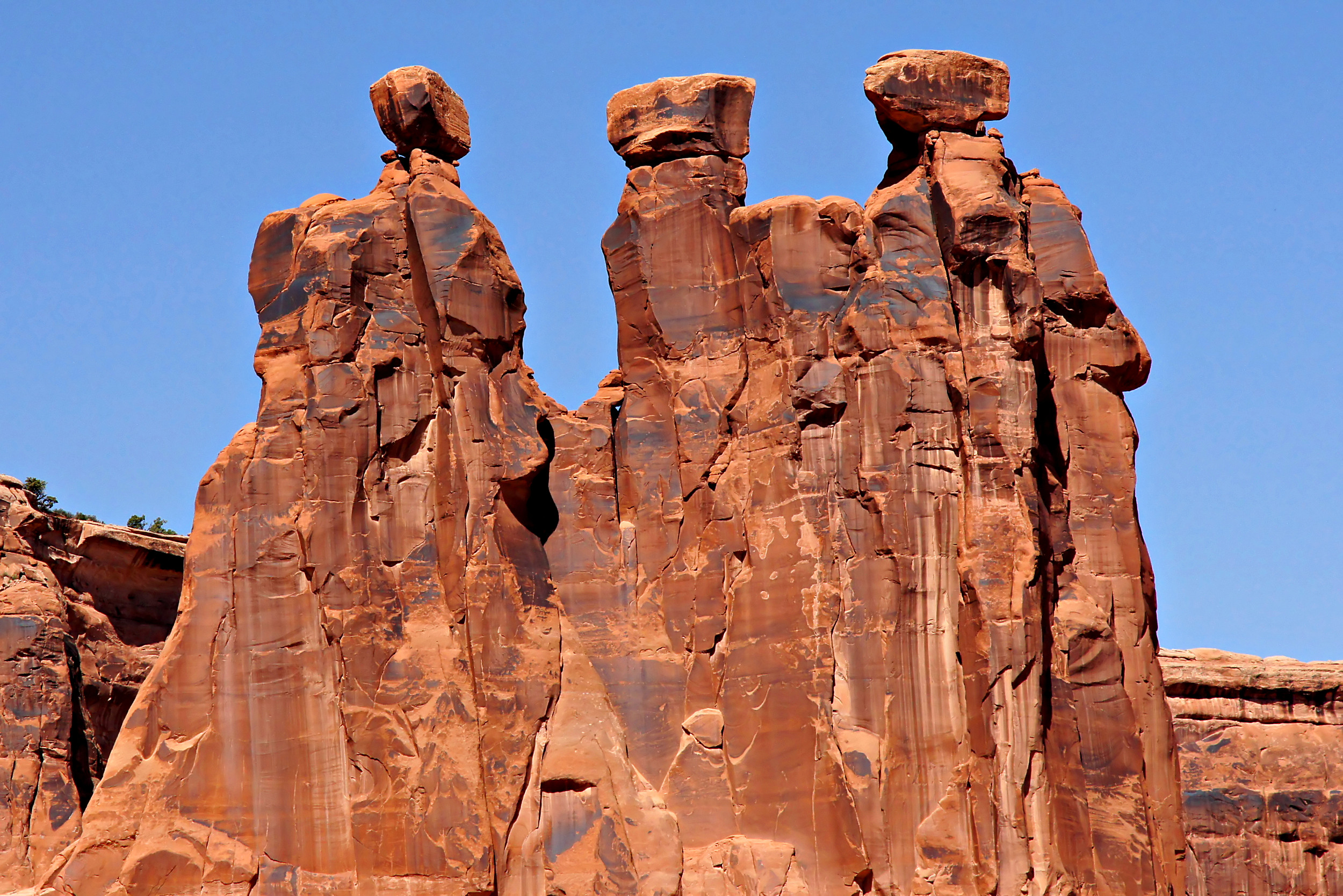 Three Gossips at Arches National Park, Arches, Blue, Formations, Limestone, HQ Photo