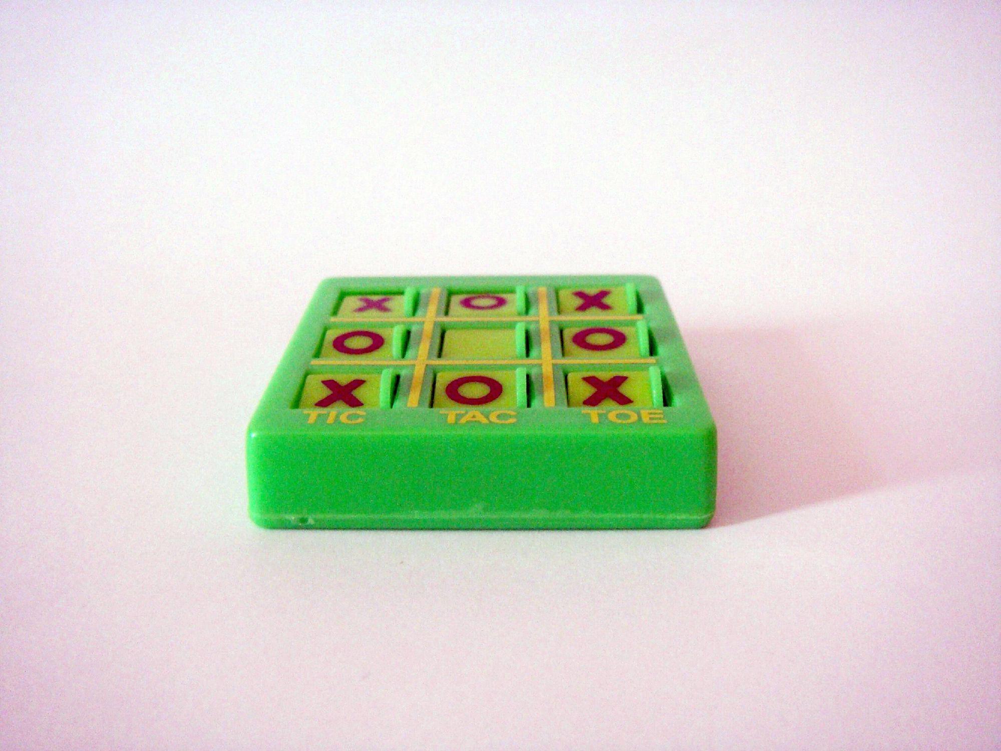 Tic Tac Toe, Box, Entertainment, Game, Green, HQ Photo