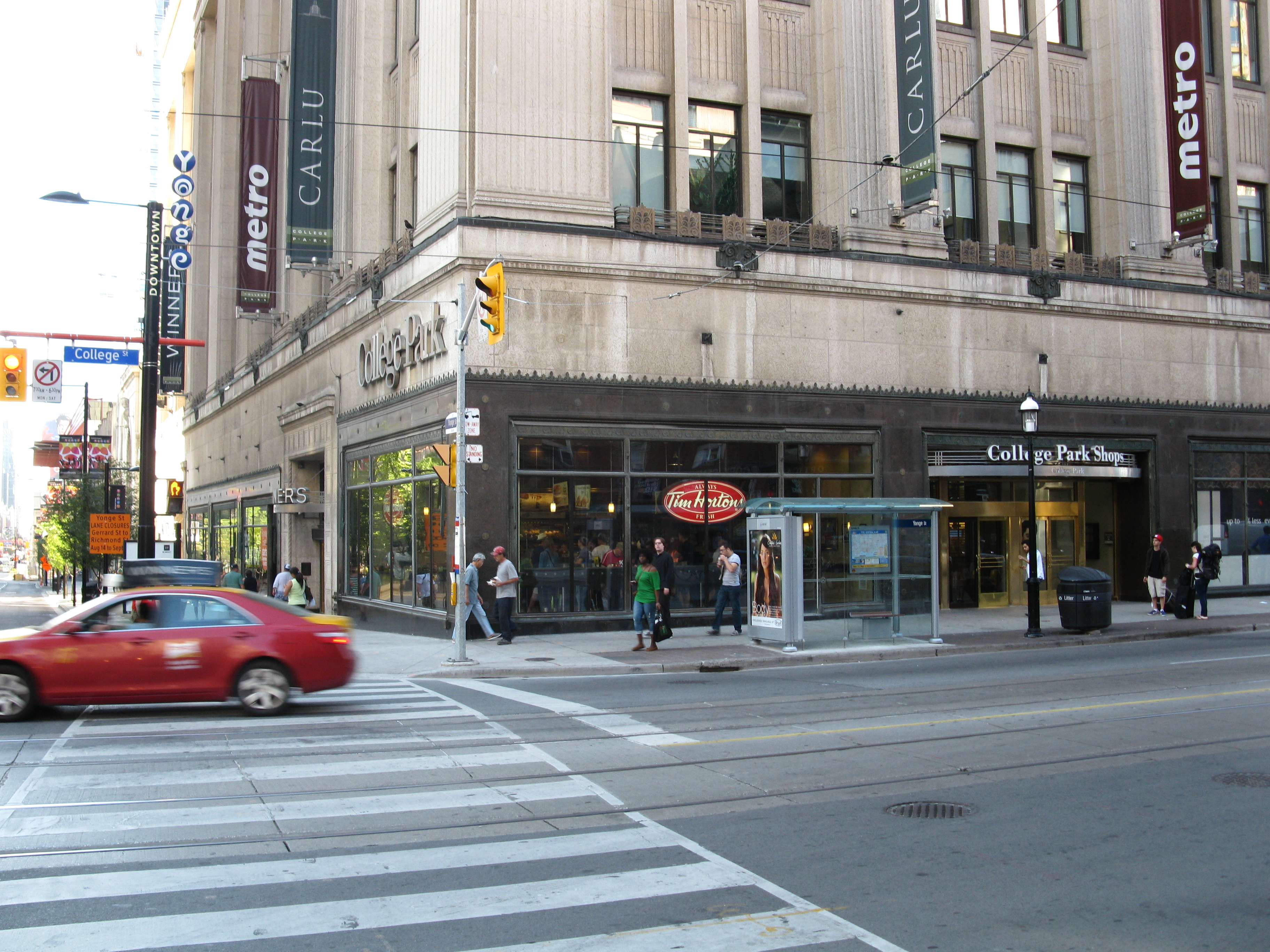 Tim Hortons SW corner of College and Yonge.jpg, Architecture, Building, Car, Intersection, HQ Photo