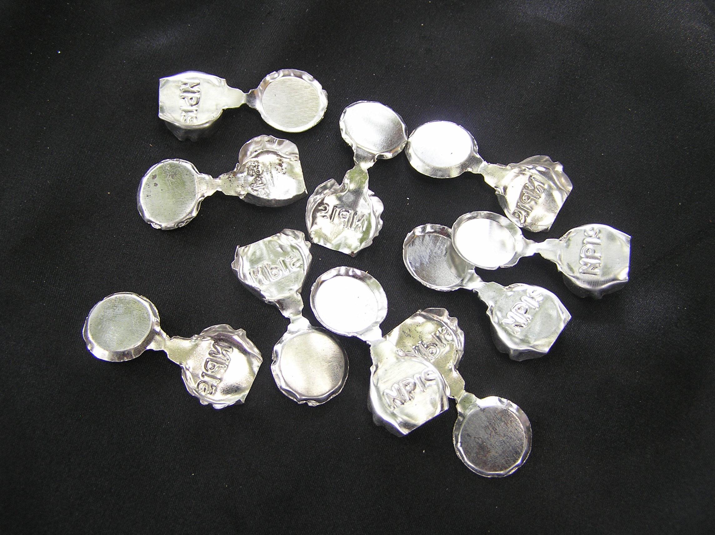 Tin seal photo