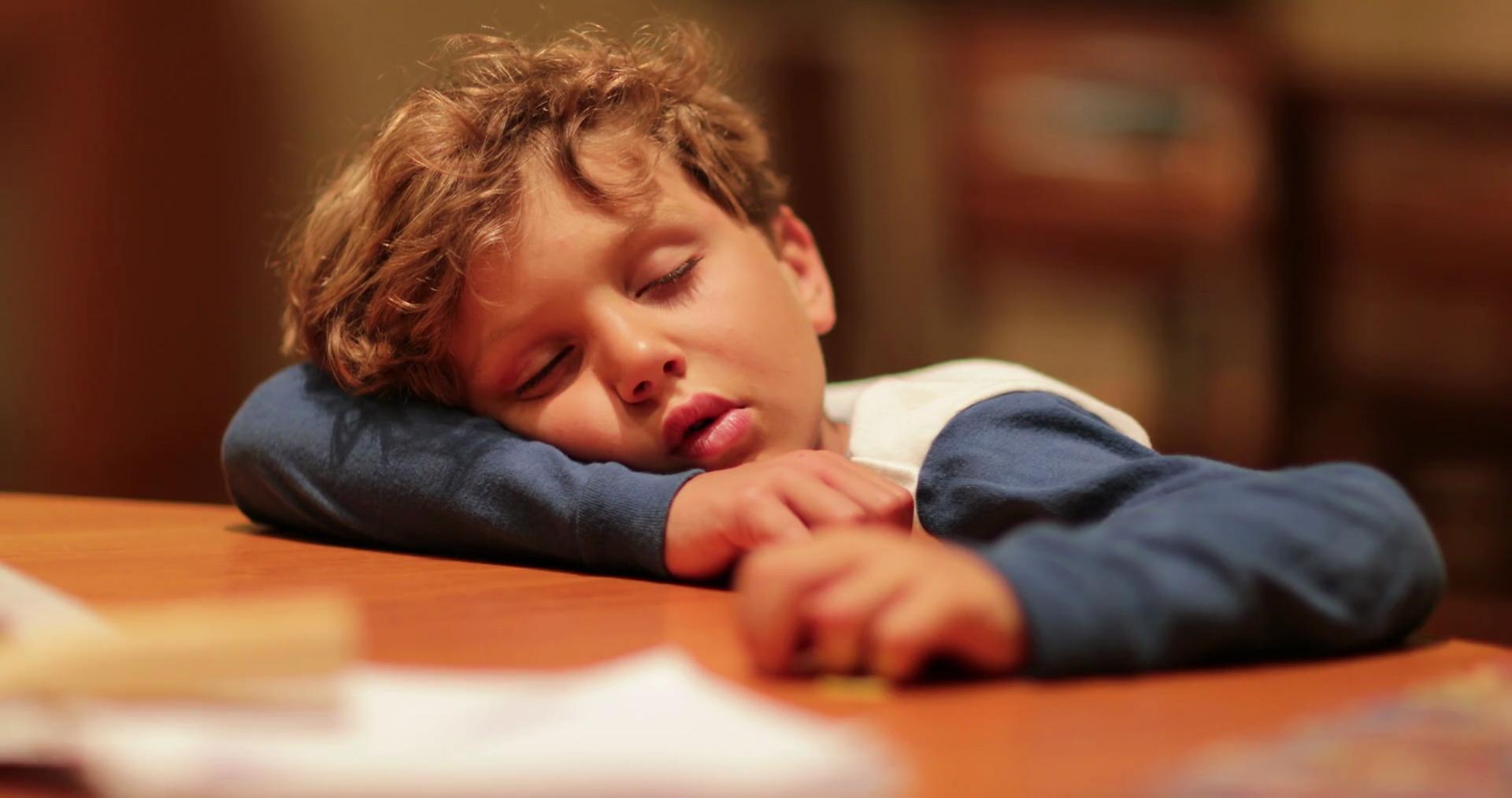 How to Sleep Longer (for Kids and Teens)
