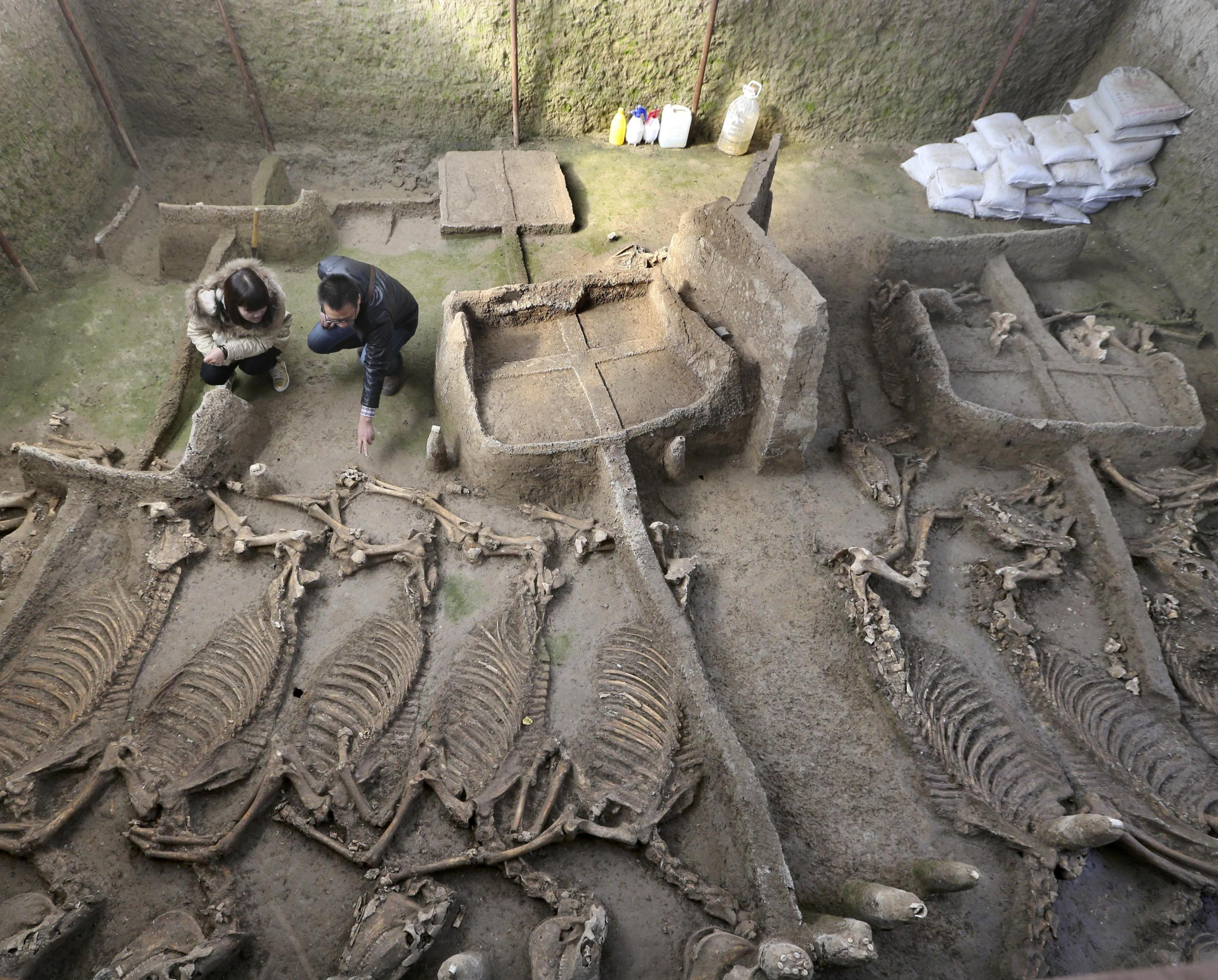 Ancient Chinese tomb dating back 2,500 years uncovered to shed light ...