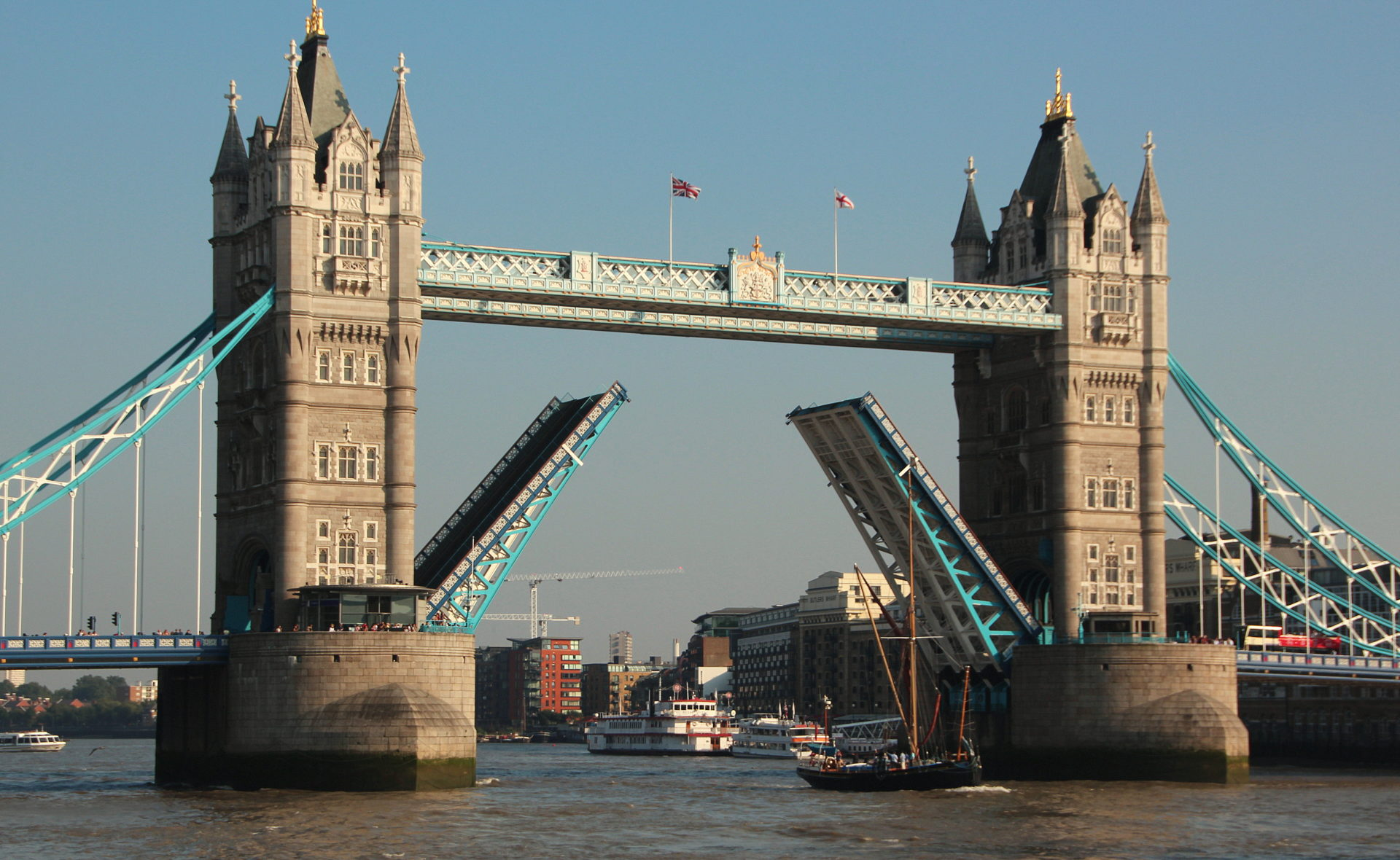 Tower Bridge to install sustainable ventilation system - SpecFinish ...