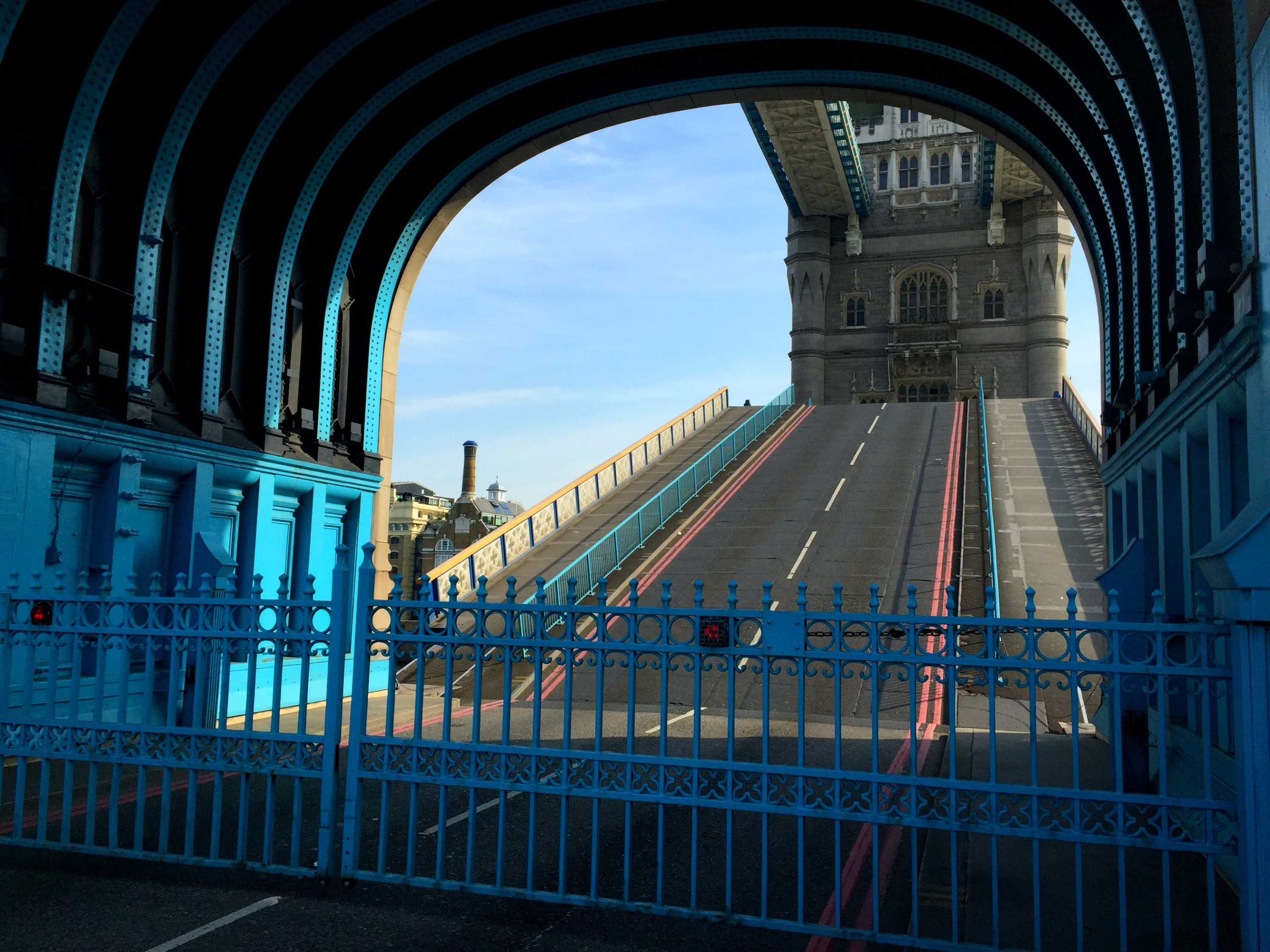 Correspondents Report - Tower Bridge: a London landmark closes for ...
