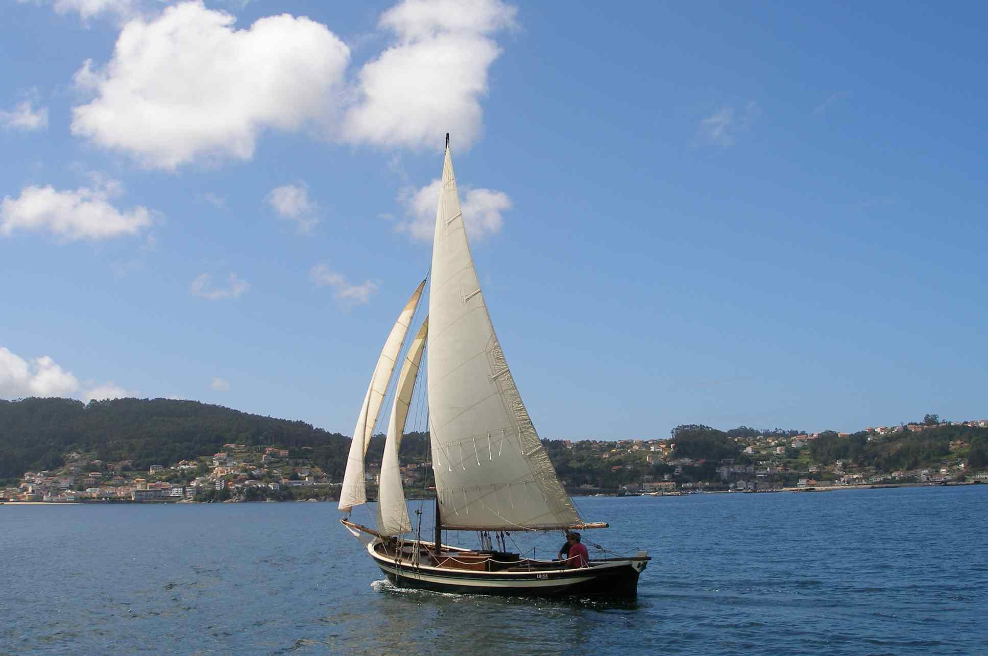 Traditional Galician fishing boat. | Boat Design Net