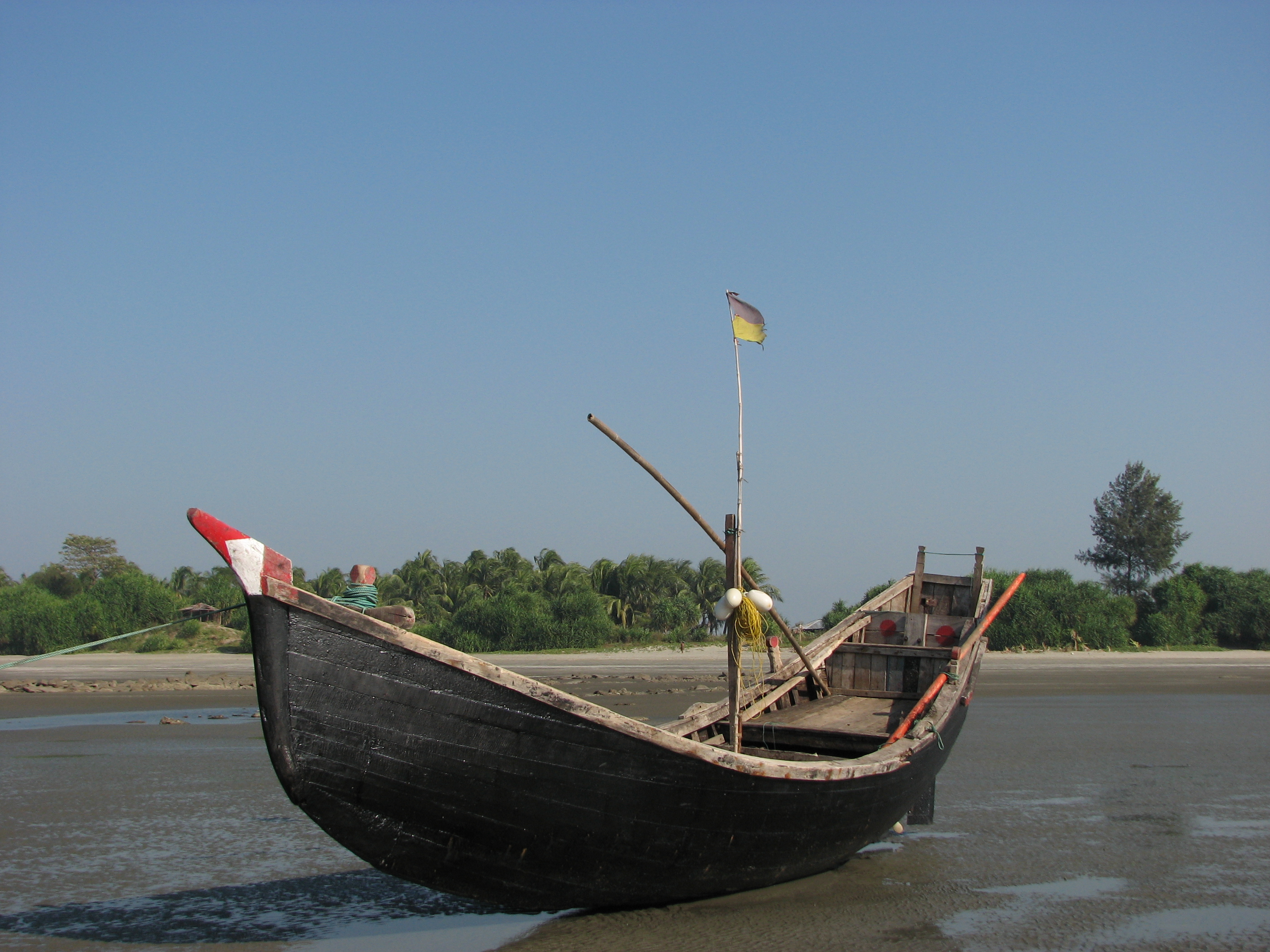 File:Fishing Boat BD1.JPG - Wikimedia Commons