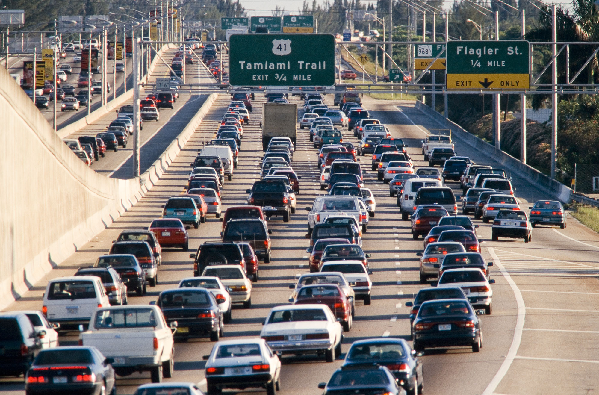 A fantastic, concise explanation of why traffic jams happen