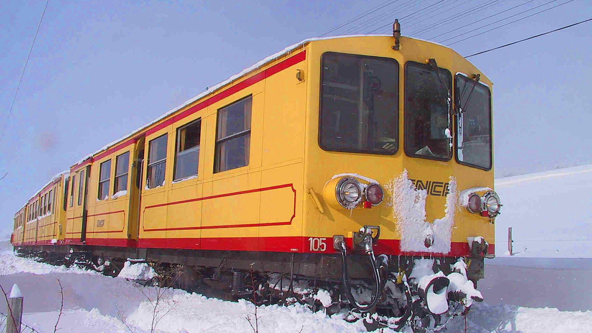 Yellow Train in Winter - Ria Sirach Apartments, Prades