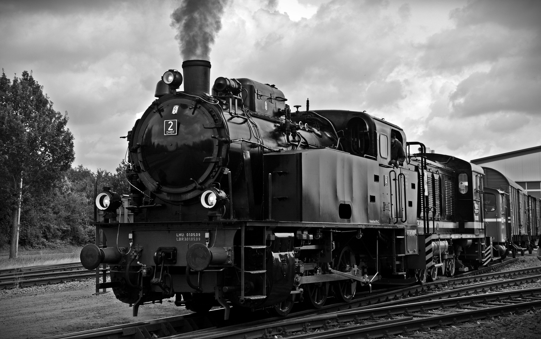 Train on Railroad Tracks Against Sky, Black and-white, Railtrack, Vintage, Vehicle, HQ Photo