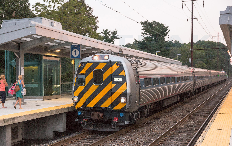 Keystone Service train at Elizabethtown, Pa., 2013. — Amtrak ...