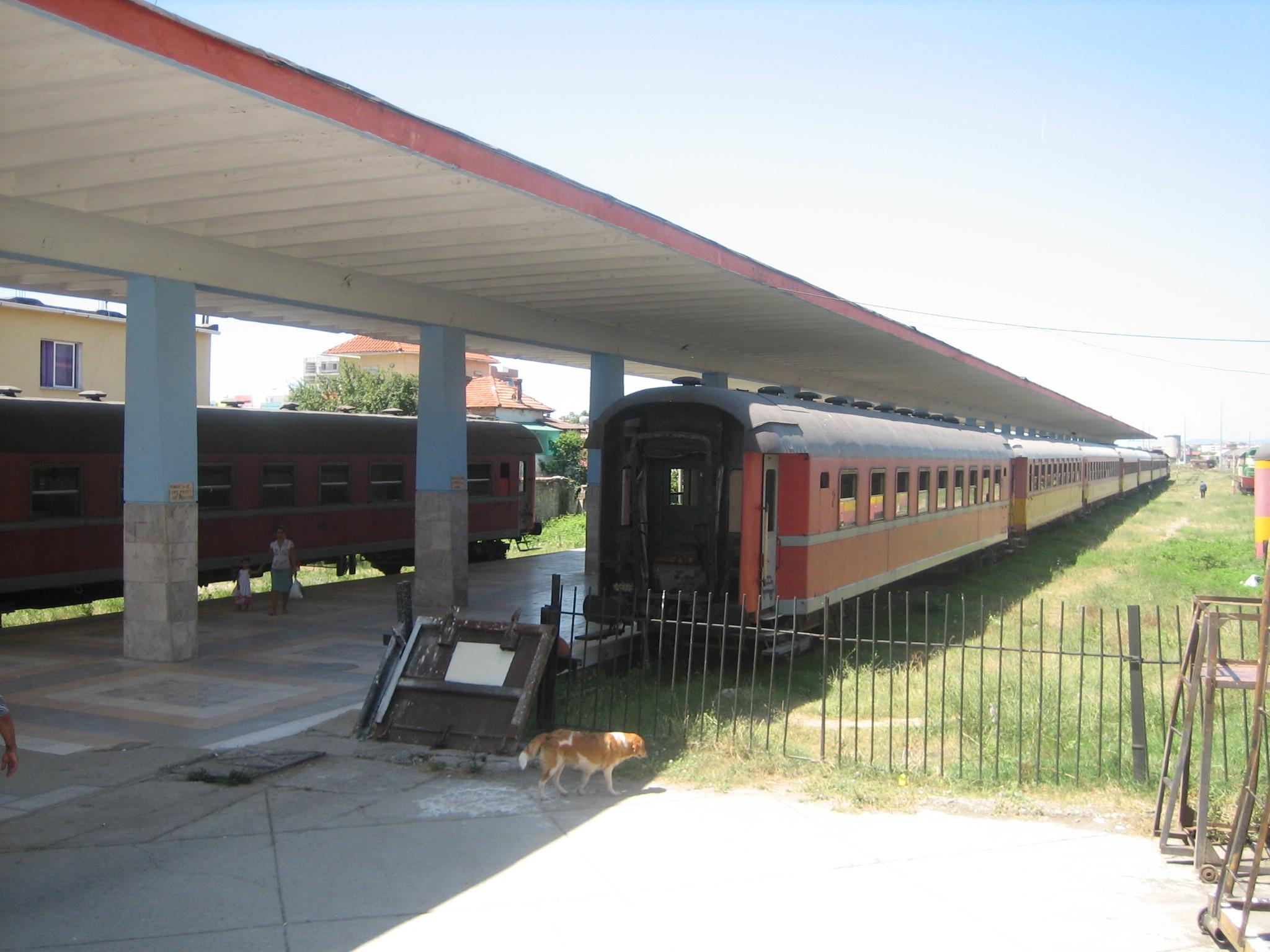 Tirana railway station - Wikipedia