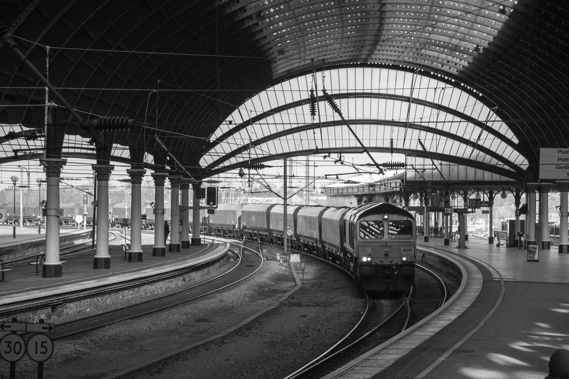 Train Station Platform Free Stock Photo - Public Domain Pictures
