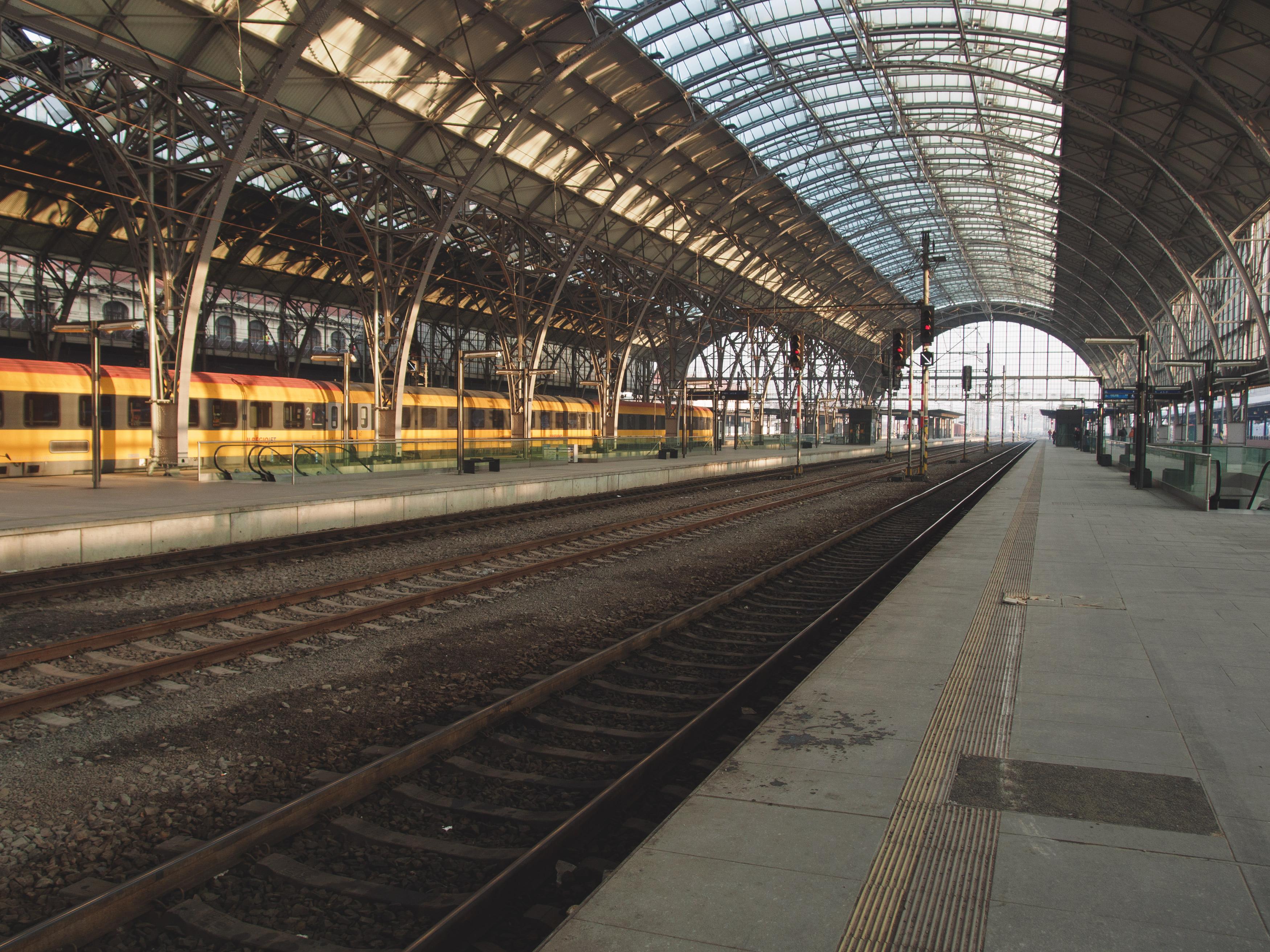 Free Image: Inside The Train Station | Libreshot Public Domain Photos
