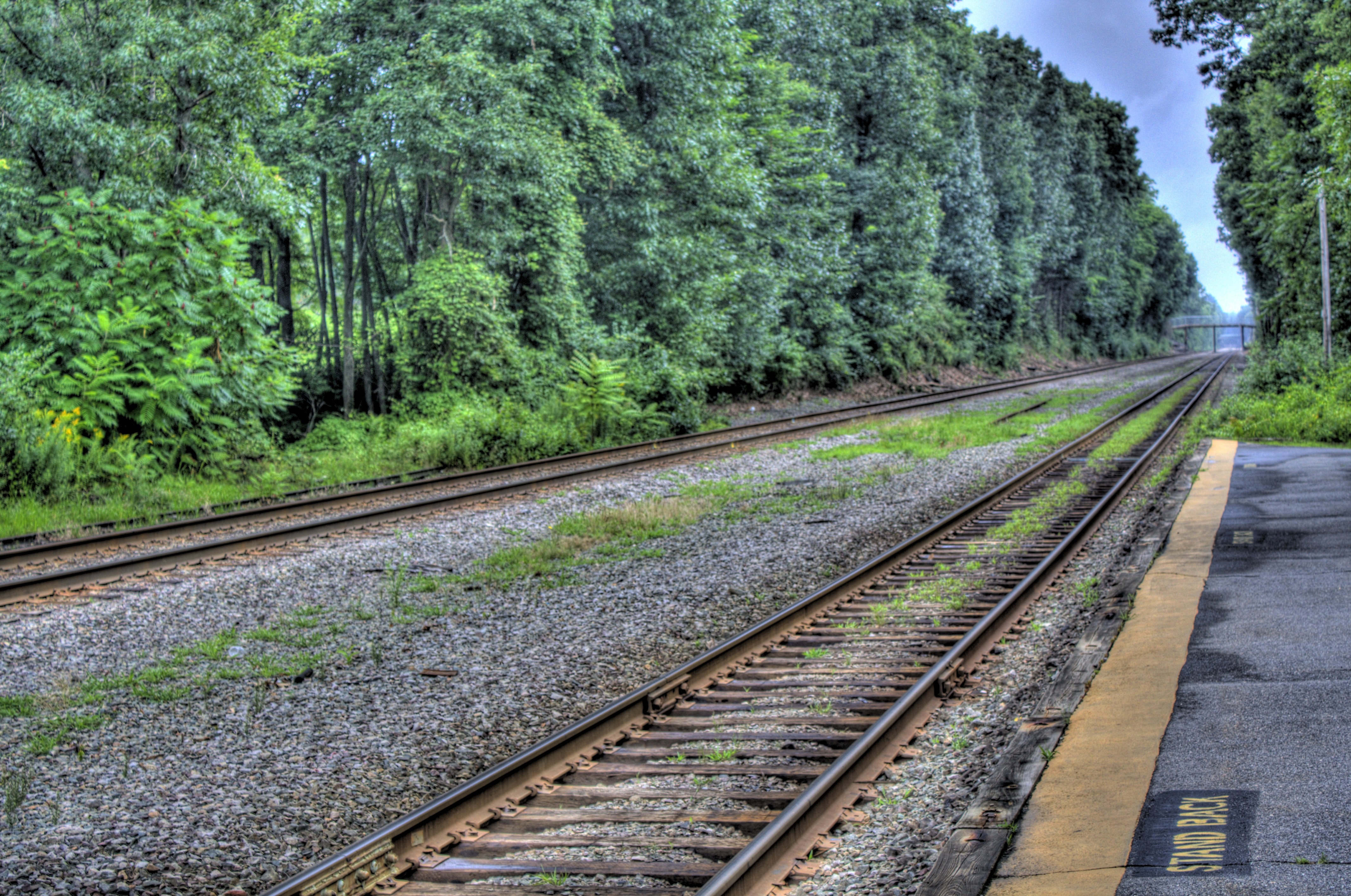 File:LIncoln MA HDR Train Tracks.jpg - Wikimedia Commons
