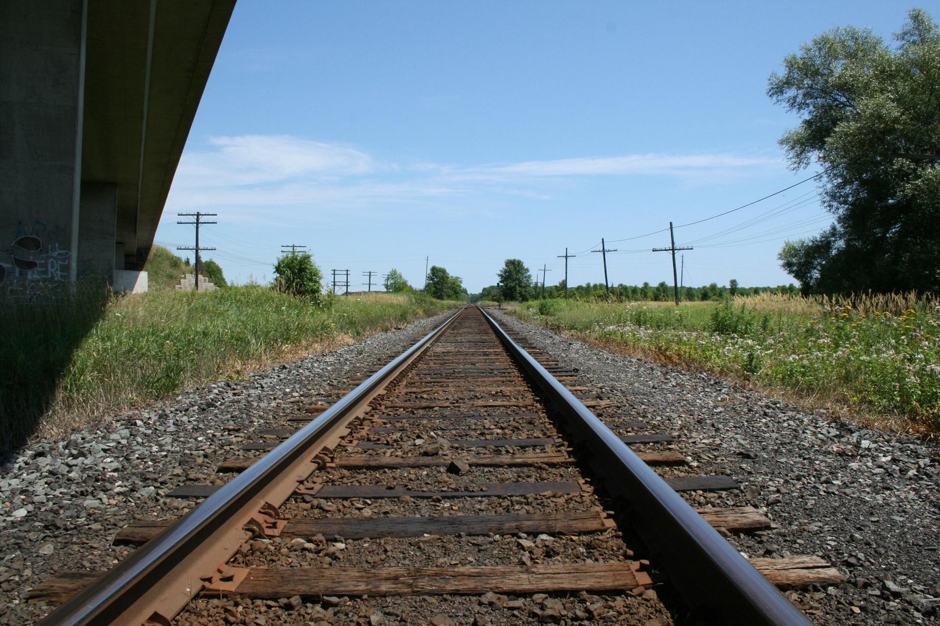 Train Tracks Free Stock Photo - Public Domain Pictures