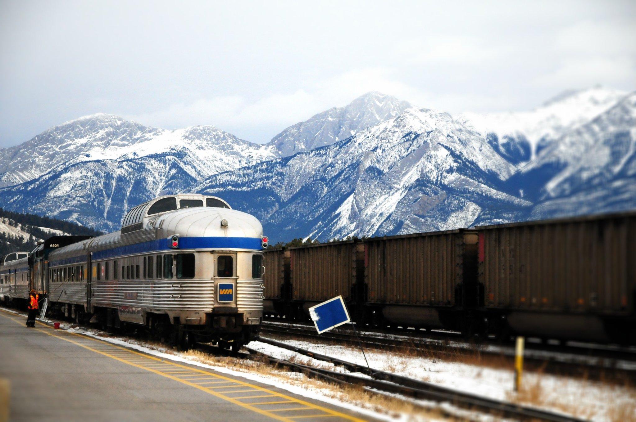 Canada Train Trip | POPSUGAR Smart Living