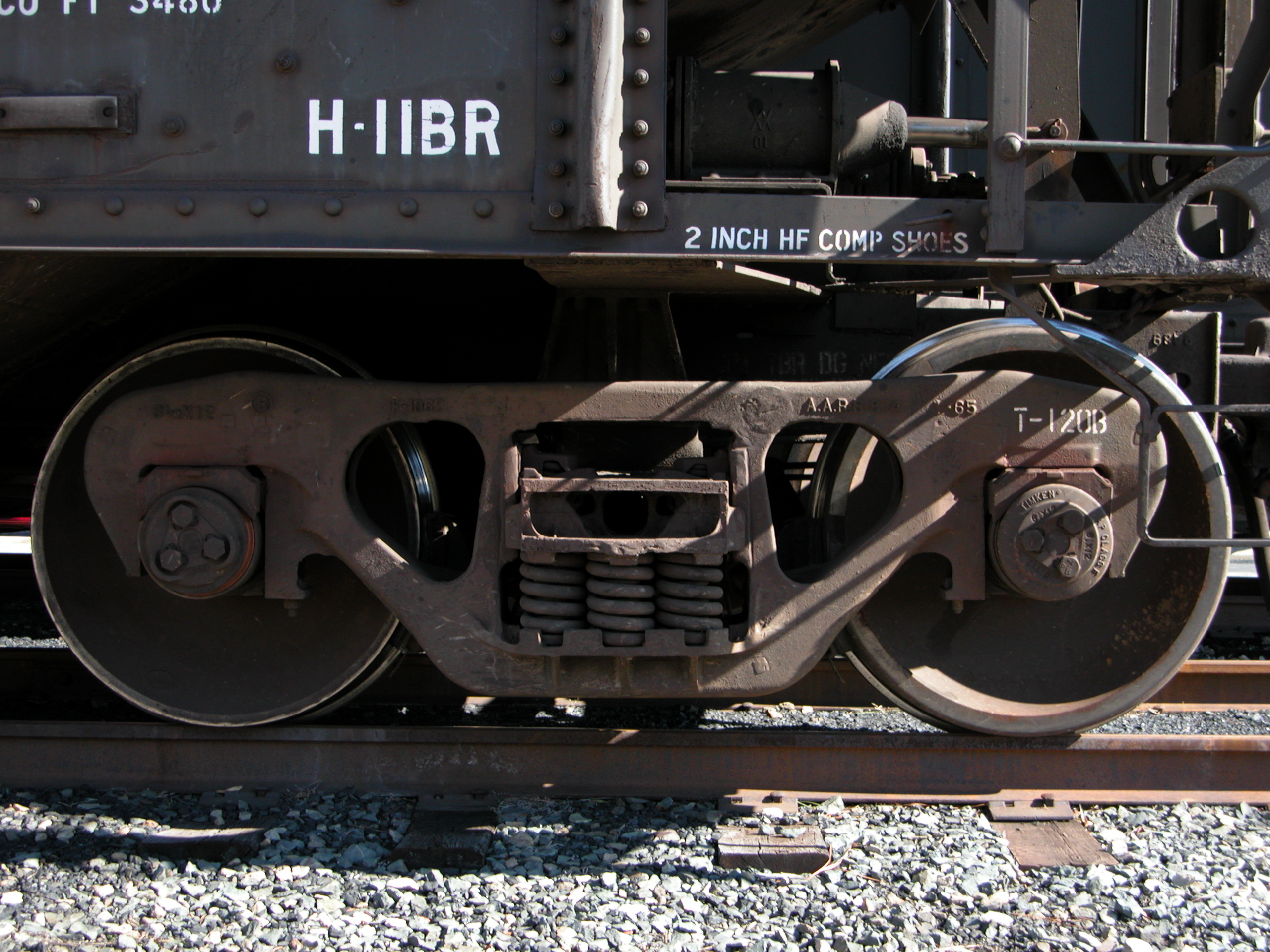 File:2004-02-02 Train wheels at Duke.jpg - Wikimedia Commons