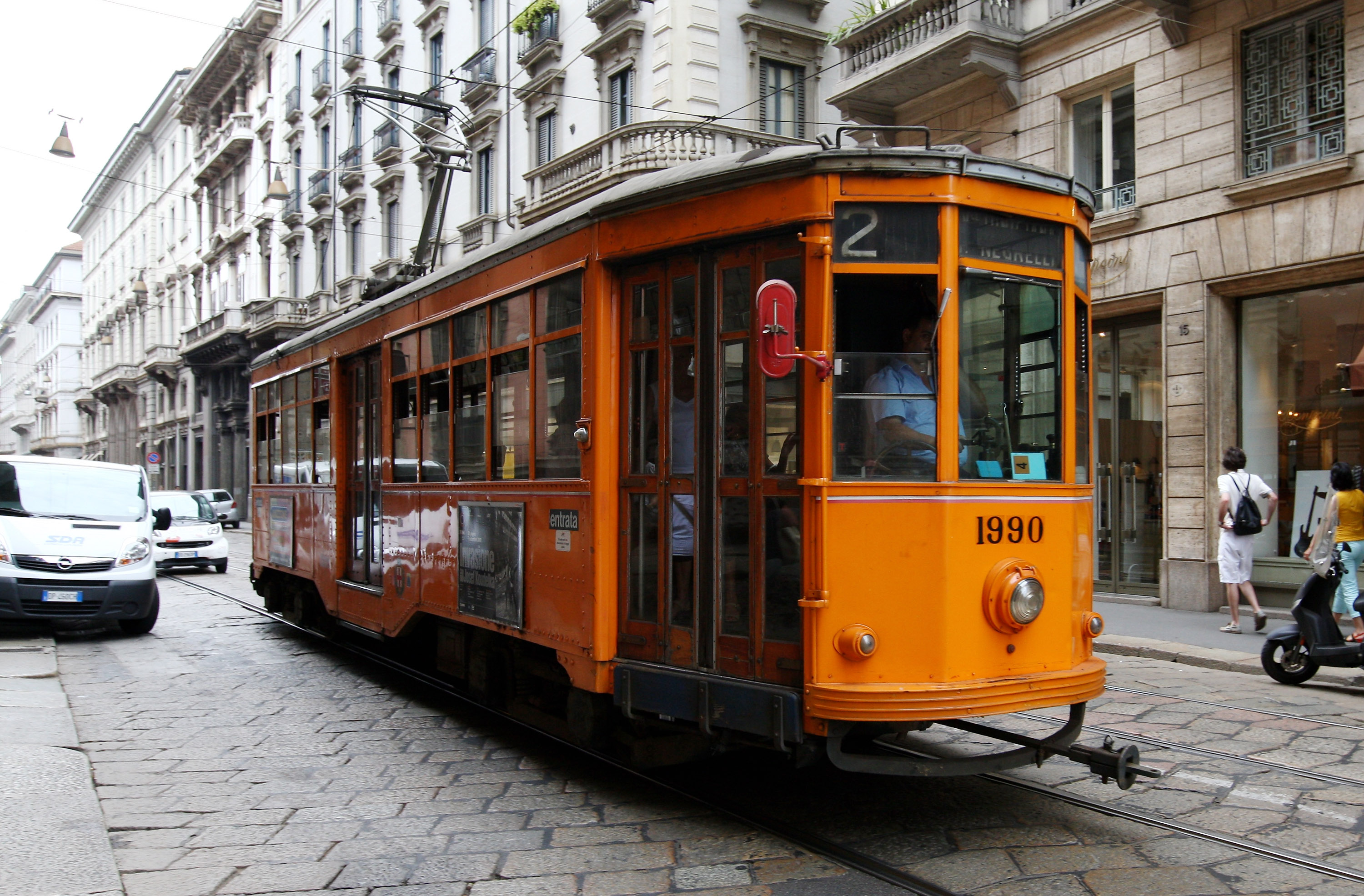 So are trams really better than buses? | CityMetric