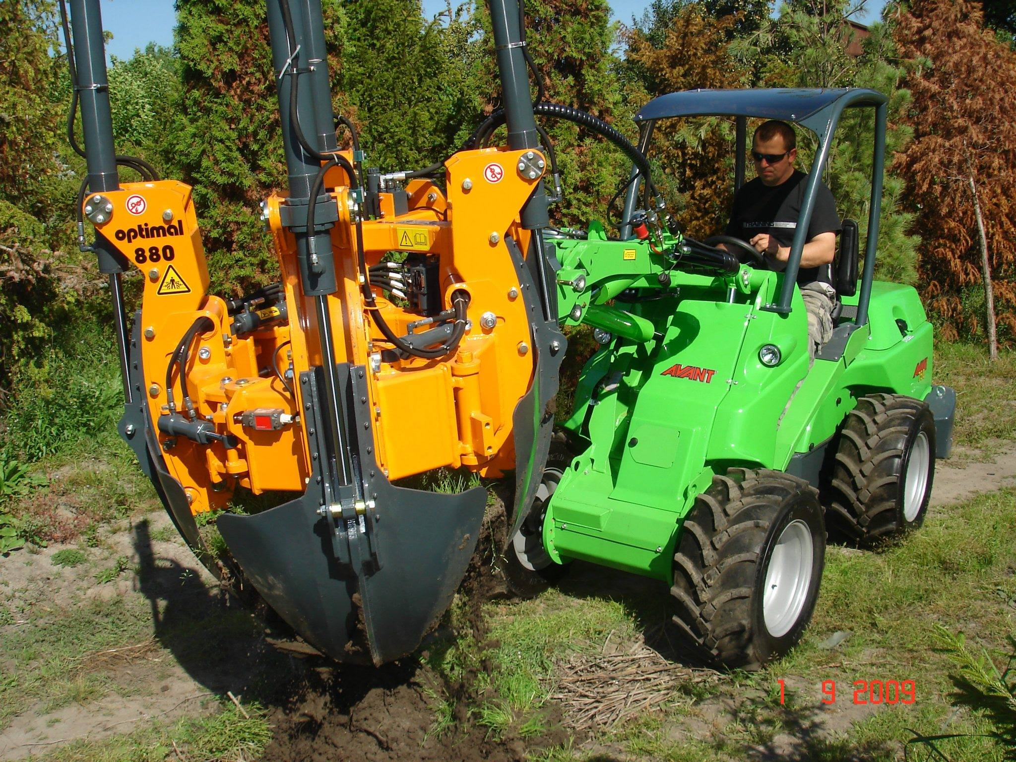 AVANT Tree Transplanter Now Available In South Africa  