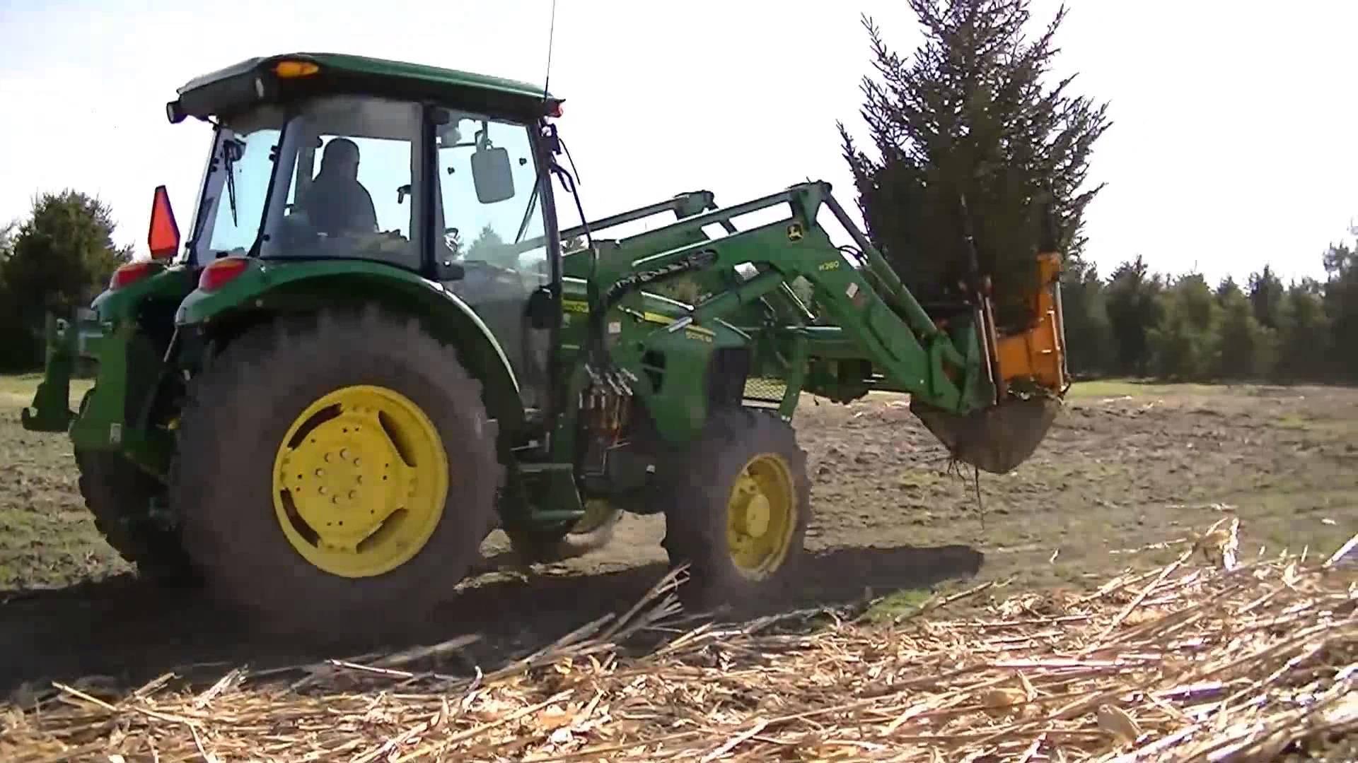 John Deere Front Loader Tree Spade Digging a big tree and re ...