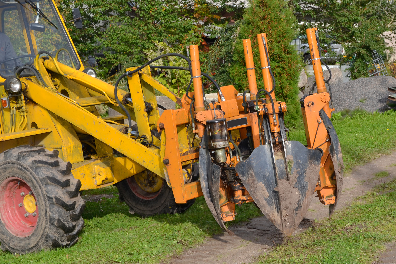 Tree transplant machinery, Attachment, Rootballing, Uplift, Treespade, HQ Photo