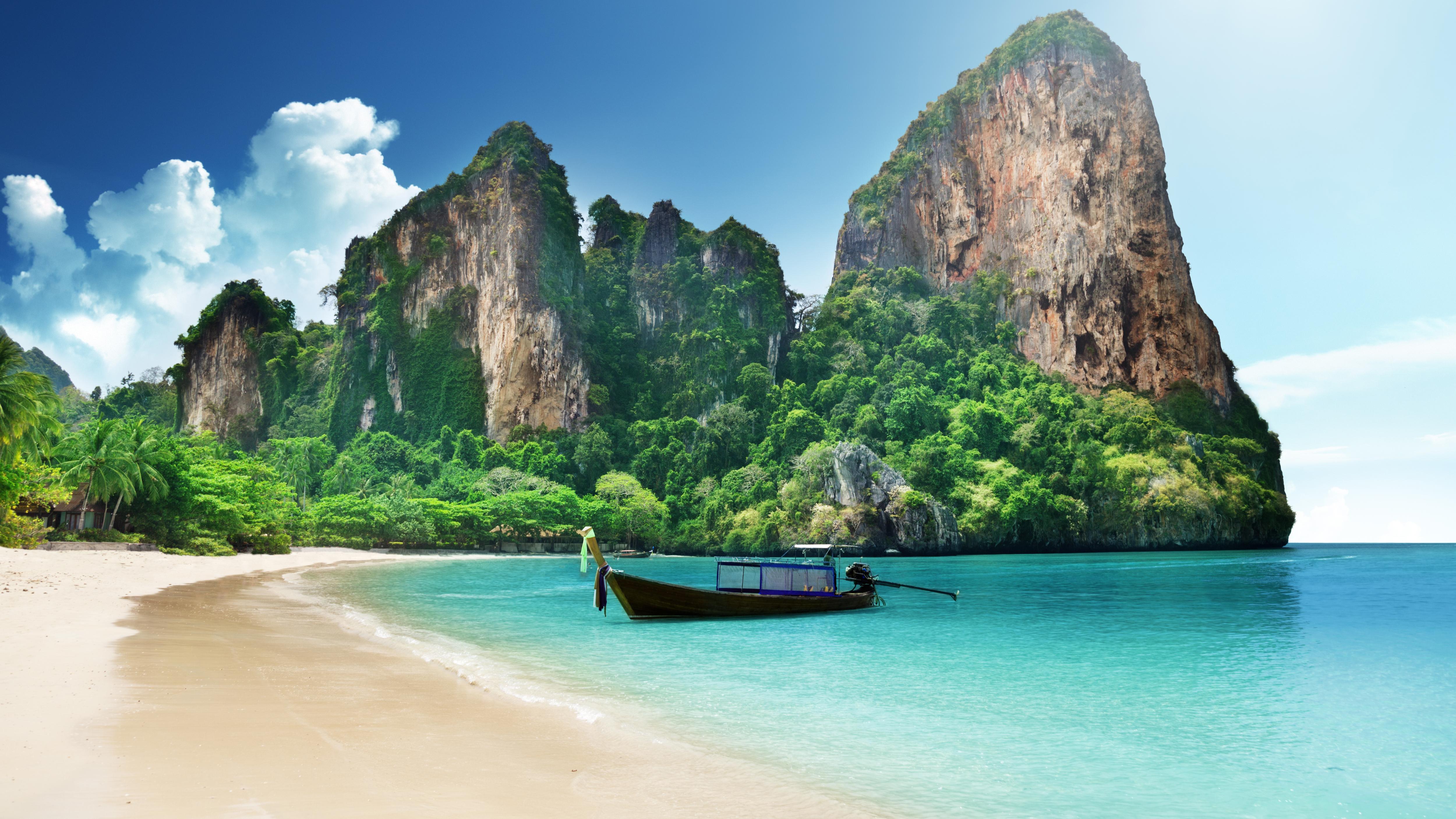 Tropical Beach - Desktop Wallpaper