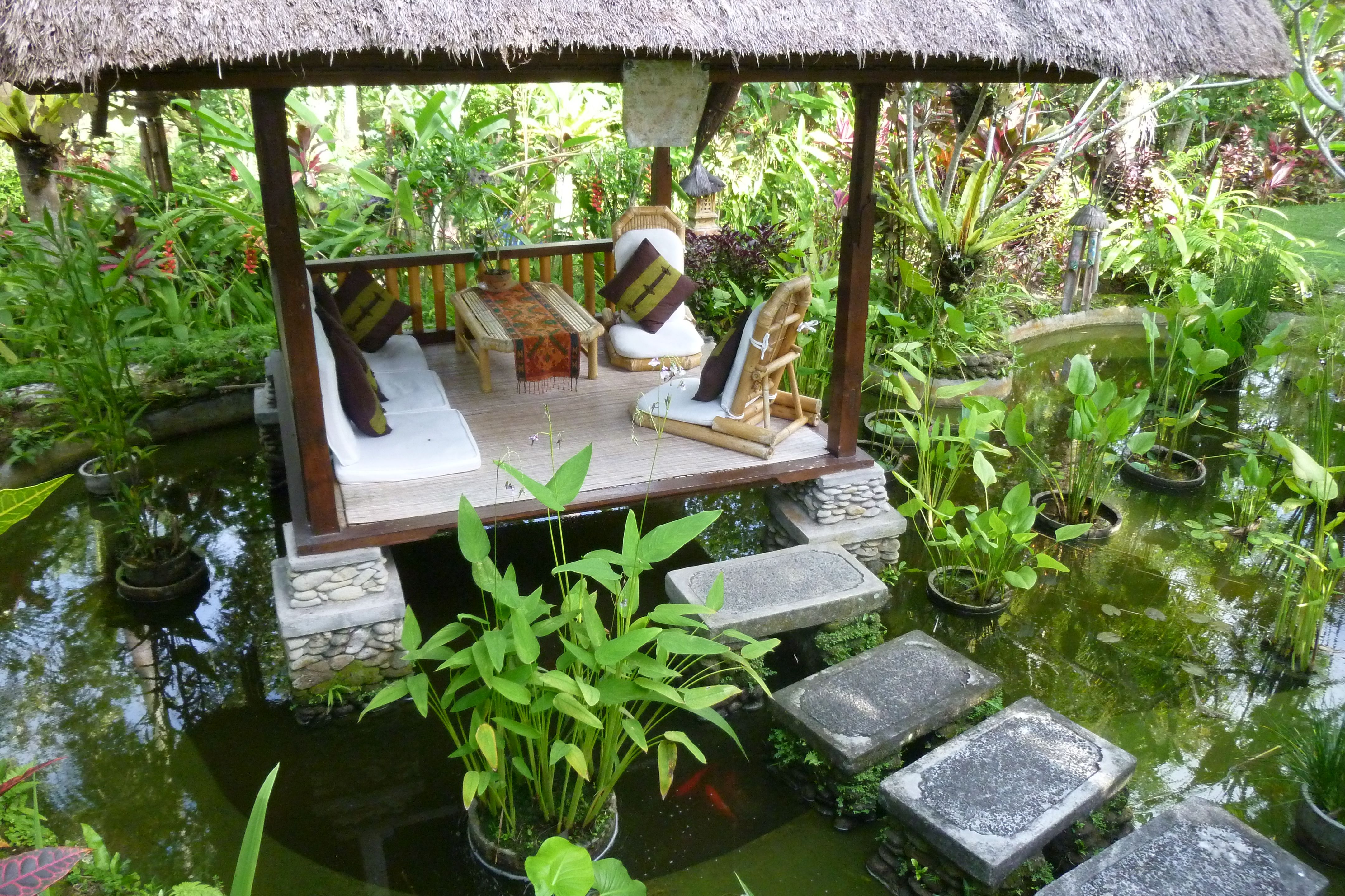 Water feature and gazebo | Inspirations for my Balinese garden ...