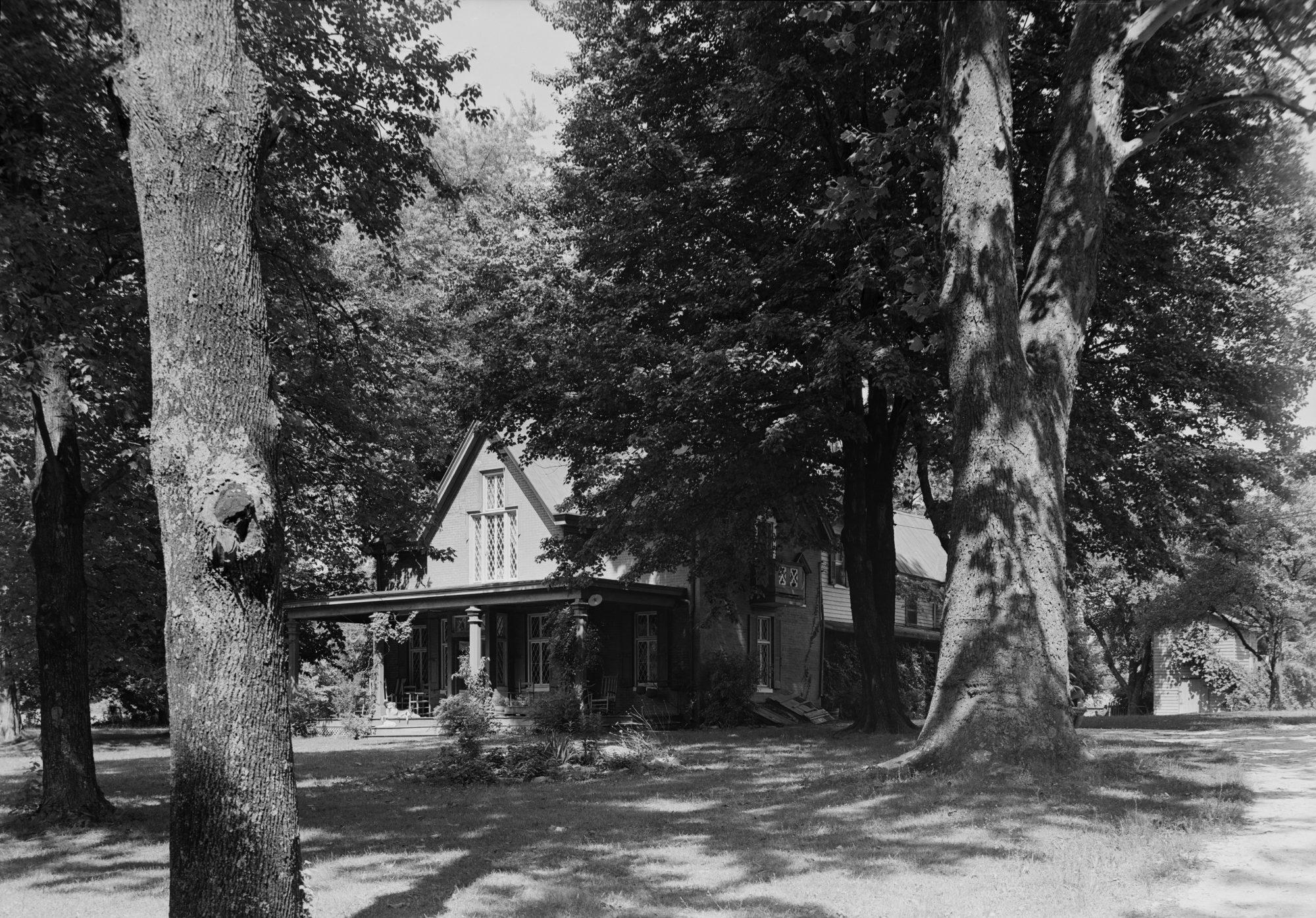 Tudor Hall, Home of the Booth Family – Jennifer Chiaverini