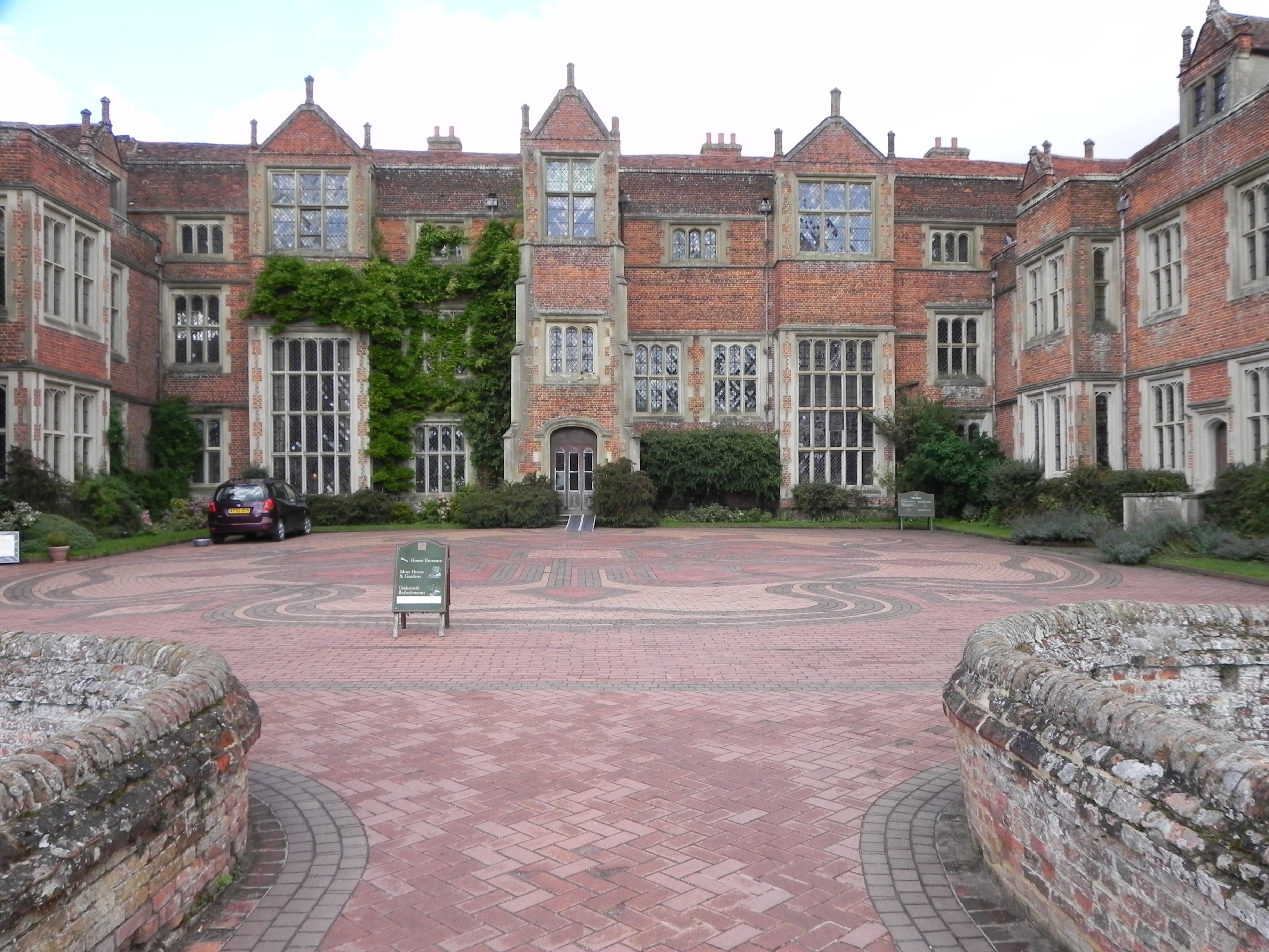 Tudor hall photo