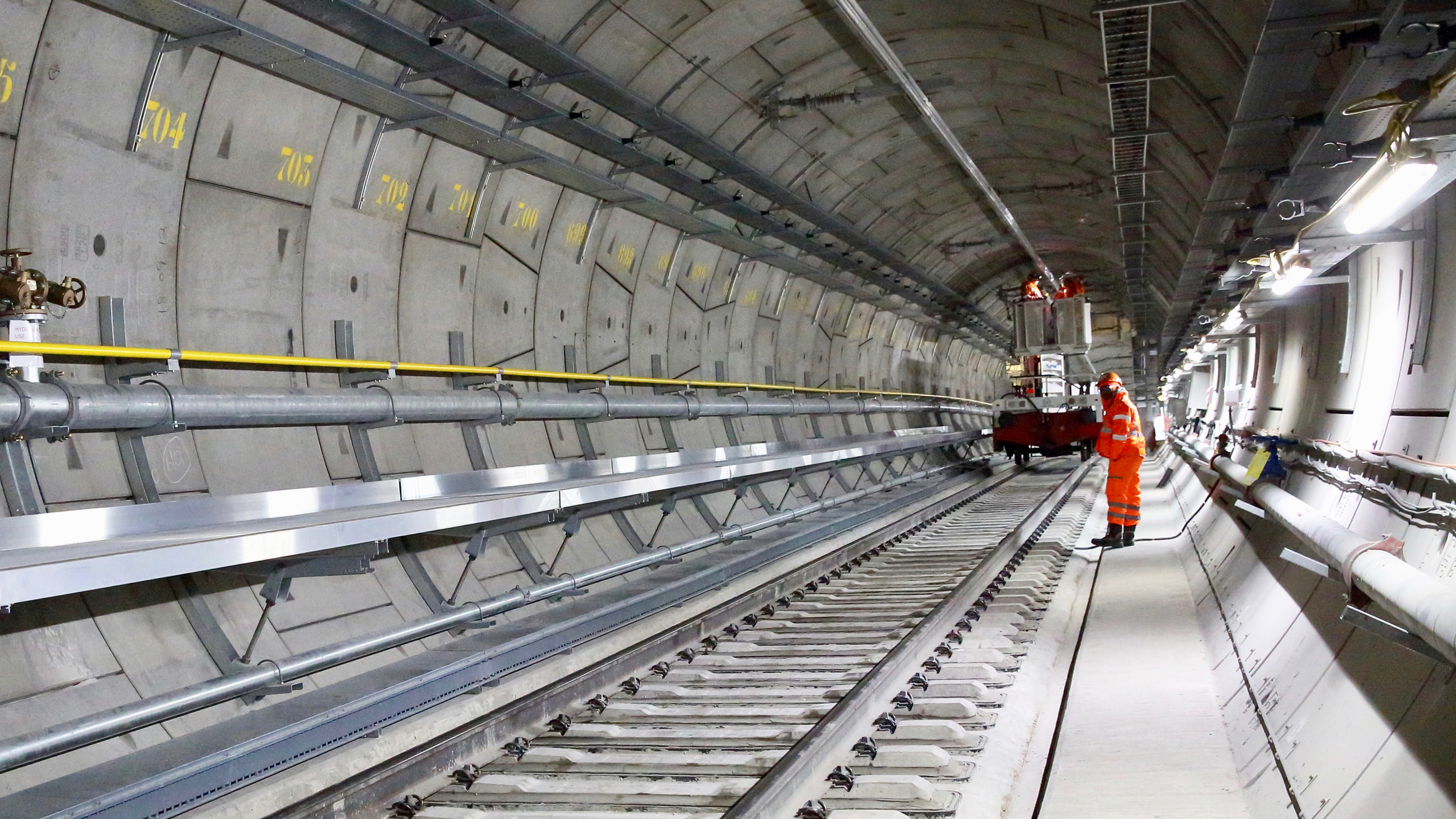 See inside huge new tunnel under London - CNN Video