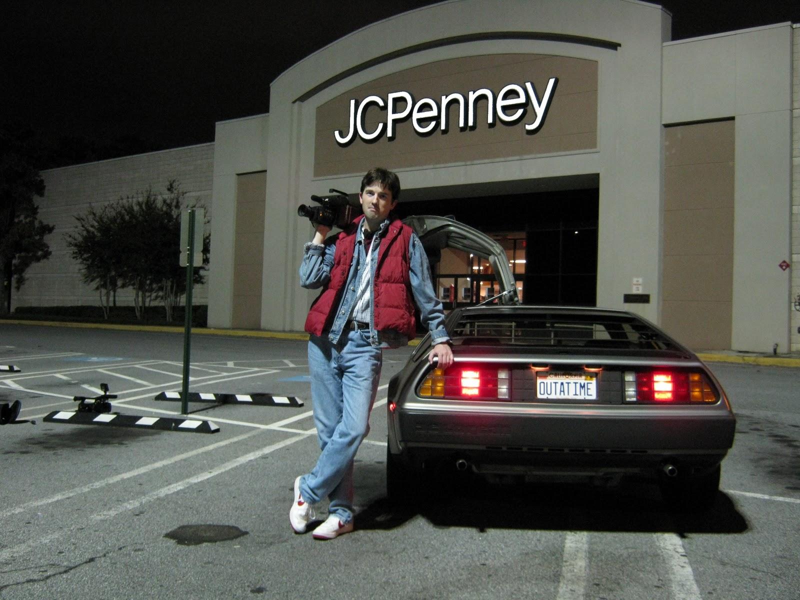 DMC 6239: DeLorean & VW Bus Recreate Twin Pines Mall Chase!